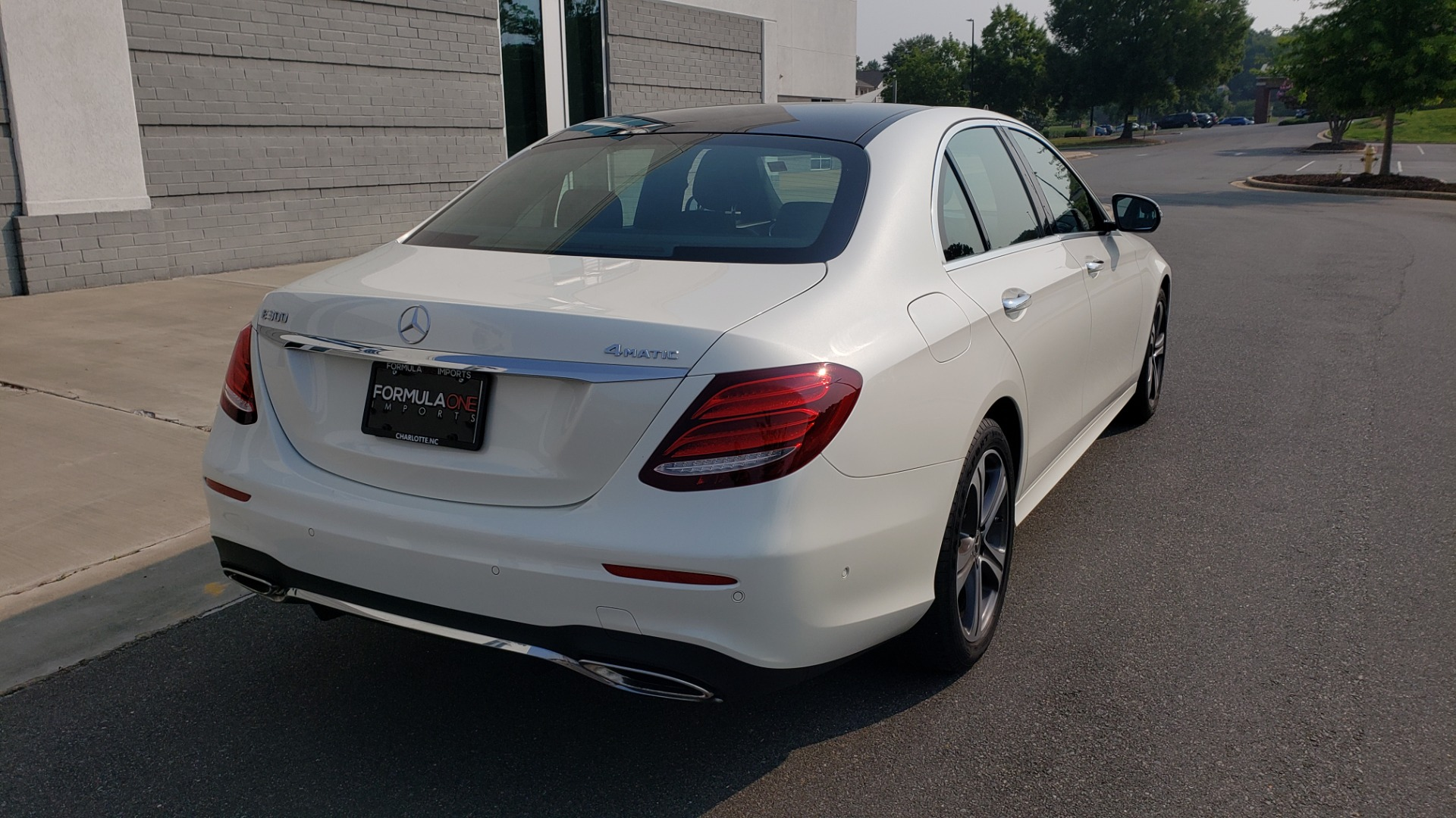 Used 2018 Mercedes-Benz E-CLASS E 300 4MATIC / PREMIUM / NAV / PANO-ROOF / BURMESTER / REARVIEW for sale $41,995 at Formula Imports in Charlotte NC 28227 2