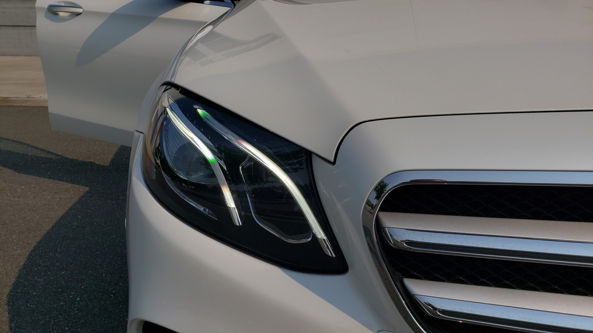 Used 2018 Mercedes-Benz E-CLASS E 300 4MATIC / PREMIUM / NAV / PANO-ROOF / BURMESTER / REARVIEW for sale $41,995 at Formula Imports in Charlotte NC 28227 20