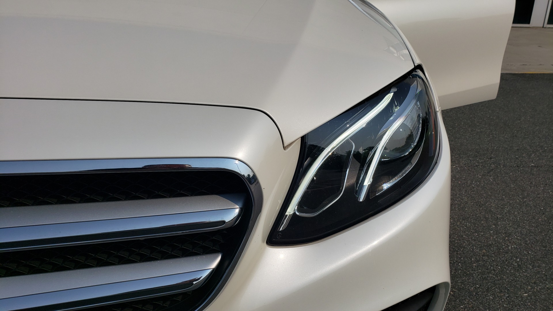 Used 2018 Mercedes-Benz E-CLASS E 300 4MATIC / PREMIUM / NAV / PANO-ROOF / BURMESTER / REARVIEW for sale $41,995 at Formula Imports in Charlotte NC 28227 21