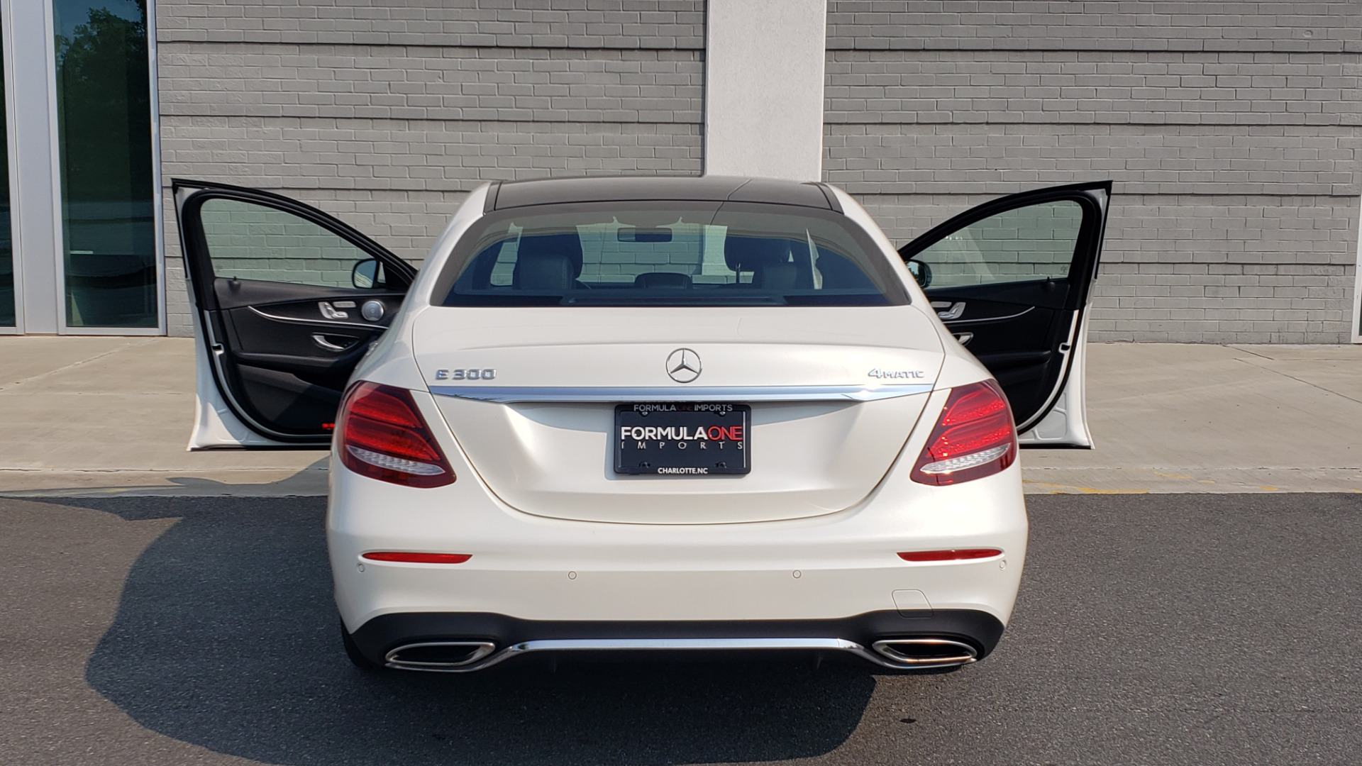 Used 2018 Mercedes-Benz E-CLASS E 300 4MATIC / PREMIUM / NAV / PANO-ROOF / BURMESTER / REARVIEW for sale $41,995 at Formula Imports in Charlotte NC 28227 25