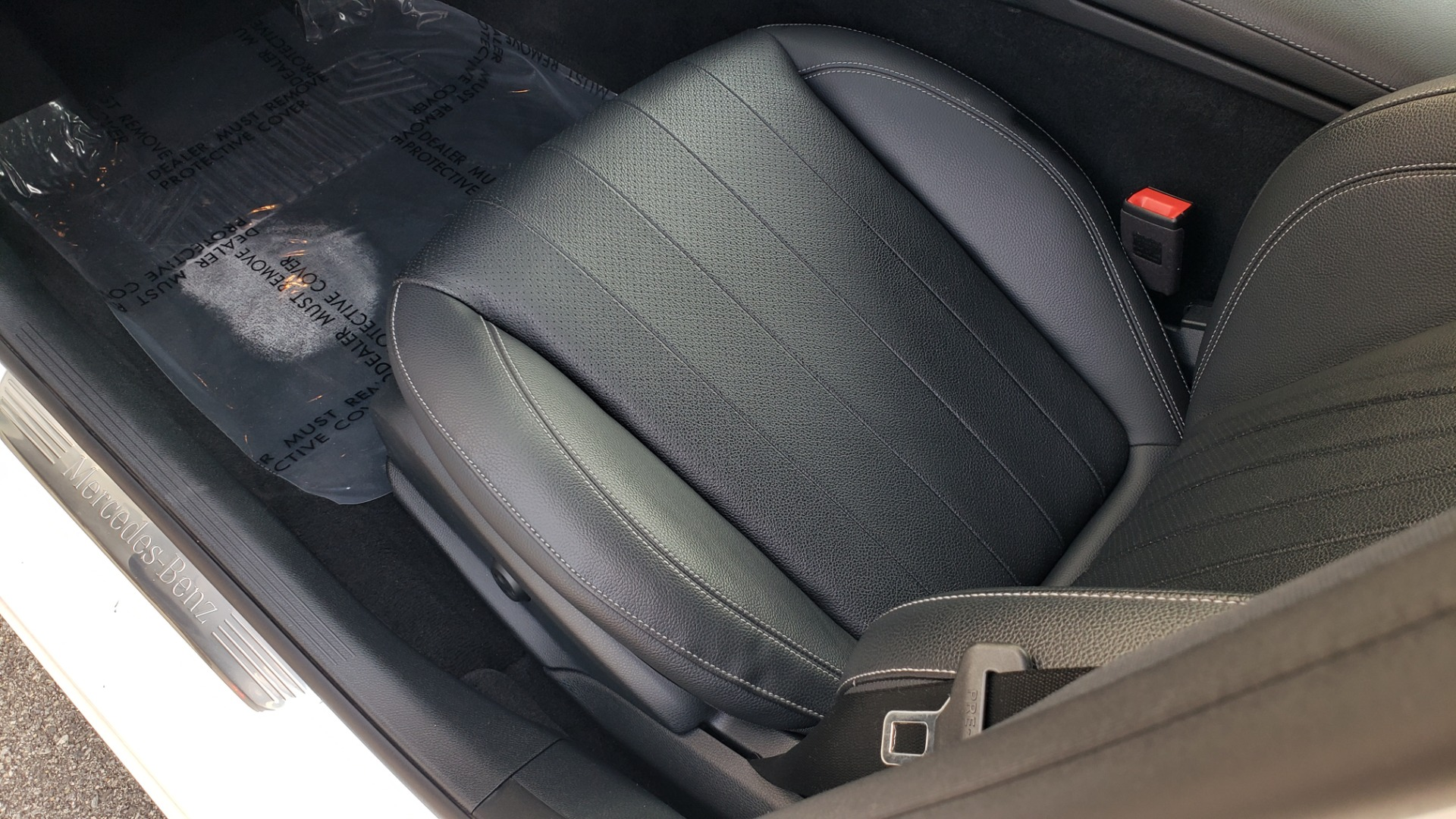 Used 2018 Mercedes-Benz E-CLASS E 300 4MATIC / PREMIUM / NAV / PANO-ROOF / BURMESTER / REARVIEW for sale $41,995 at Formula Imports in Charlotte NC 28227 29