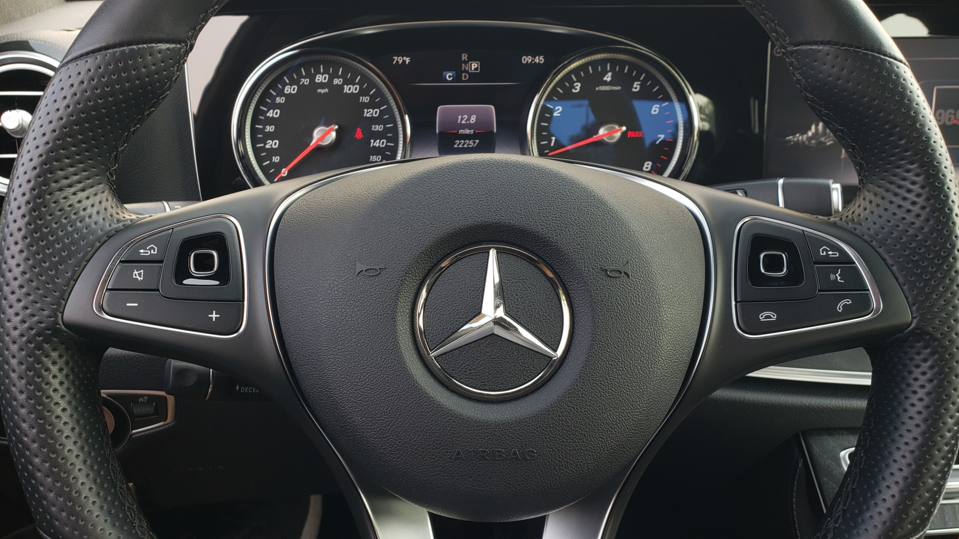 Used 2018 Mercedes-Benz E-CLASS E 300 4MATIC / PREMIUM / NAV / PANO-ROOF / BURMESTER / REARVIEW for sale $41,995 at Formula Imports in Charlotte NC 28227 38
