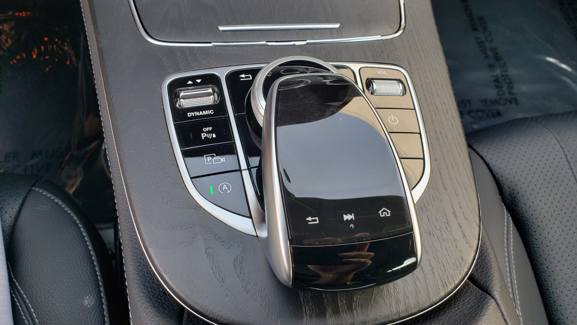 Used 2018 Mercedes-Benz E-CLASS E 300 4MATIC / PREMIUM / NAV / PANO-ROOF / BURMESTER / REARVIEW for sale $41,995 at Formula Imports in Charlotte NC 28227 47