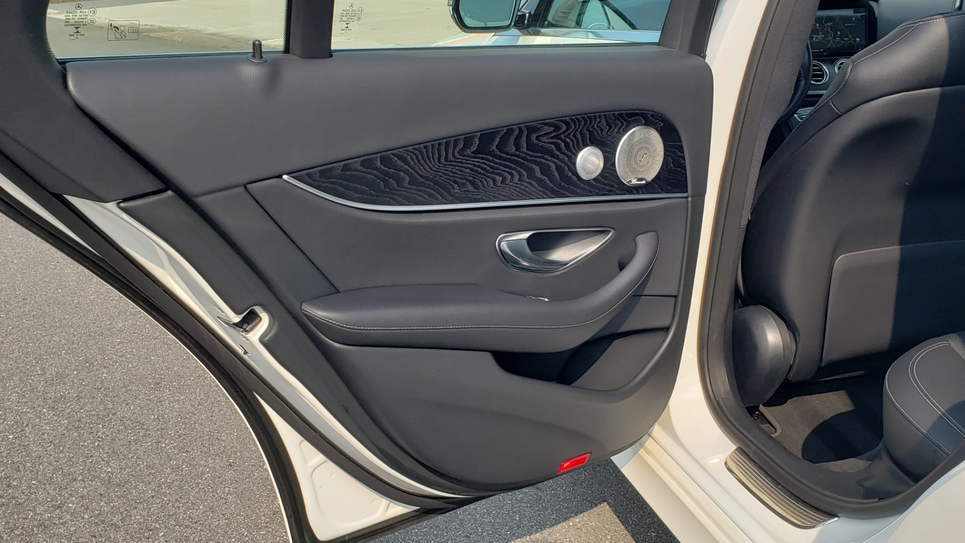 Used 2018 Mercedes-Benz E-CLASS E 300 4MATIC / PREMIUM / NAV / PANO-ROOF / BURMESTER / REARVIEW for sale $41,995 at Formula Imports in Charlotte NC 28227 54