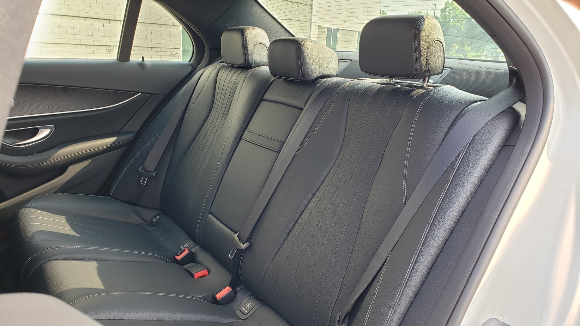 Used 2018 Mercedes-Benz E-CLASS E 300 4MATIC / PREMIUM / NAV / PANO-ROOF / BURMESTER / REARVIEW for sale $41,995 at Formula Imports in Charlotte NC 28227 57