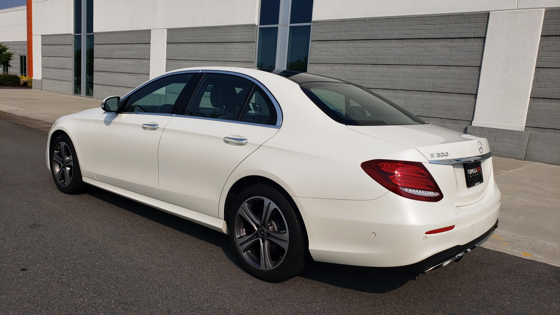 Used 2018 Mercedes-Benz E-CLASS E 300 4MATIC / PREMIUM / NAV / PANO-ROOF / BURMESTER / REARVIEW for sale $41,995 at Formula Imports in Charlotte NC 28227 7