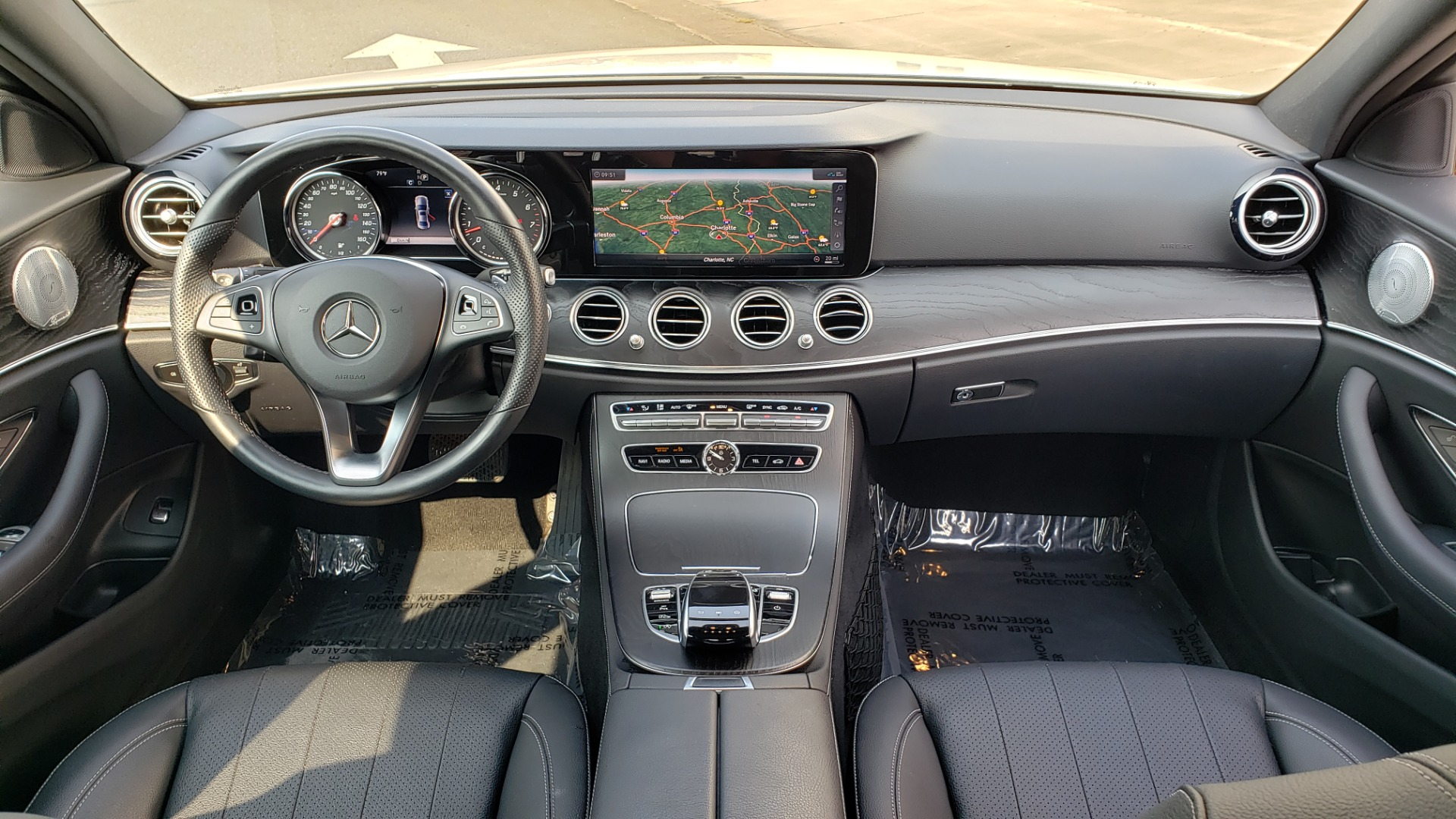 Used 2018 Mercedes-Benz E-CLASS E 300 4MATIC / PREMIUM / NAV / PANO-ROOF / BURMESTER / REARVIEW for sale $41,995 at Formula Imports in Charlotte NC 28227 70