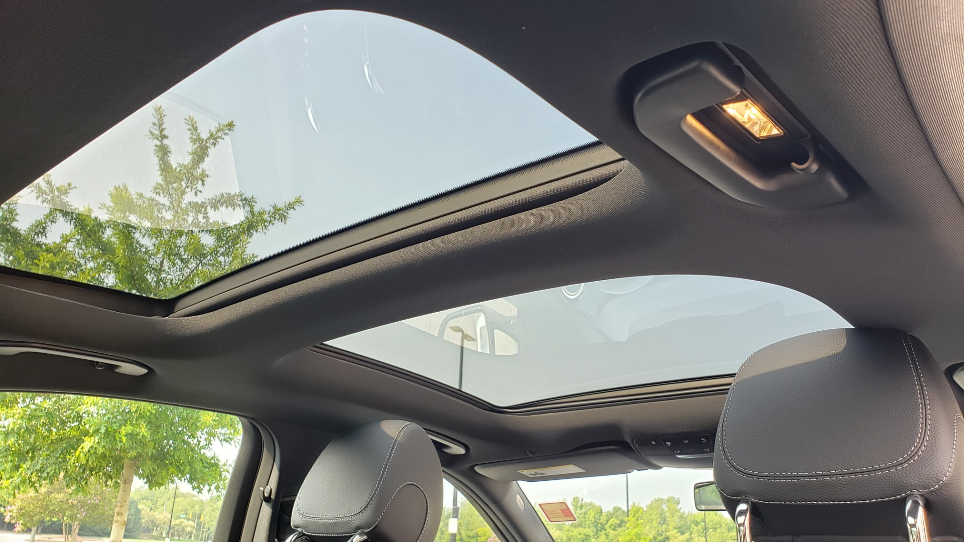 Used 2018 Mercedes-Benz E-CLASS E 300 4MATIC / PREMIUM / NAV / PANO-ROOF / BURMESTER / REARVIEW for sale $41,995 at Formula Imports in Charlotte NC 28227 71
