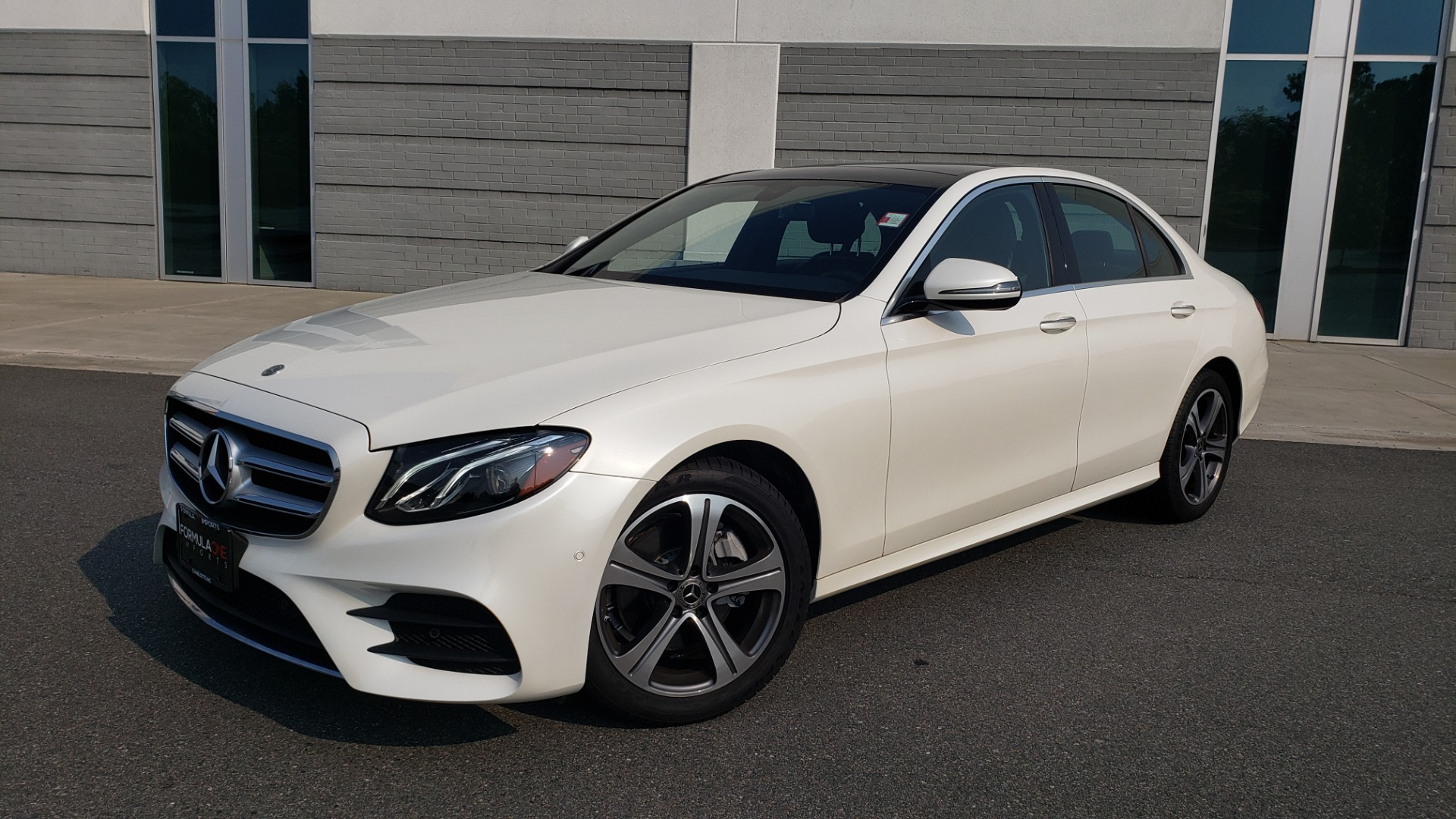 Used 2018 Mercedes-Benz E-CLASS E 300 4MATIC / PREMIUM / NAV / PANO-ROOF / BURMESTER / REARVIEW for sale $41,995 at Formula Imports in Charlotte NC 28227 1