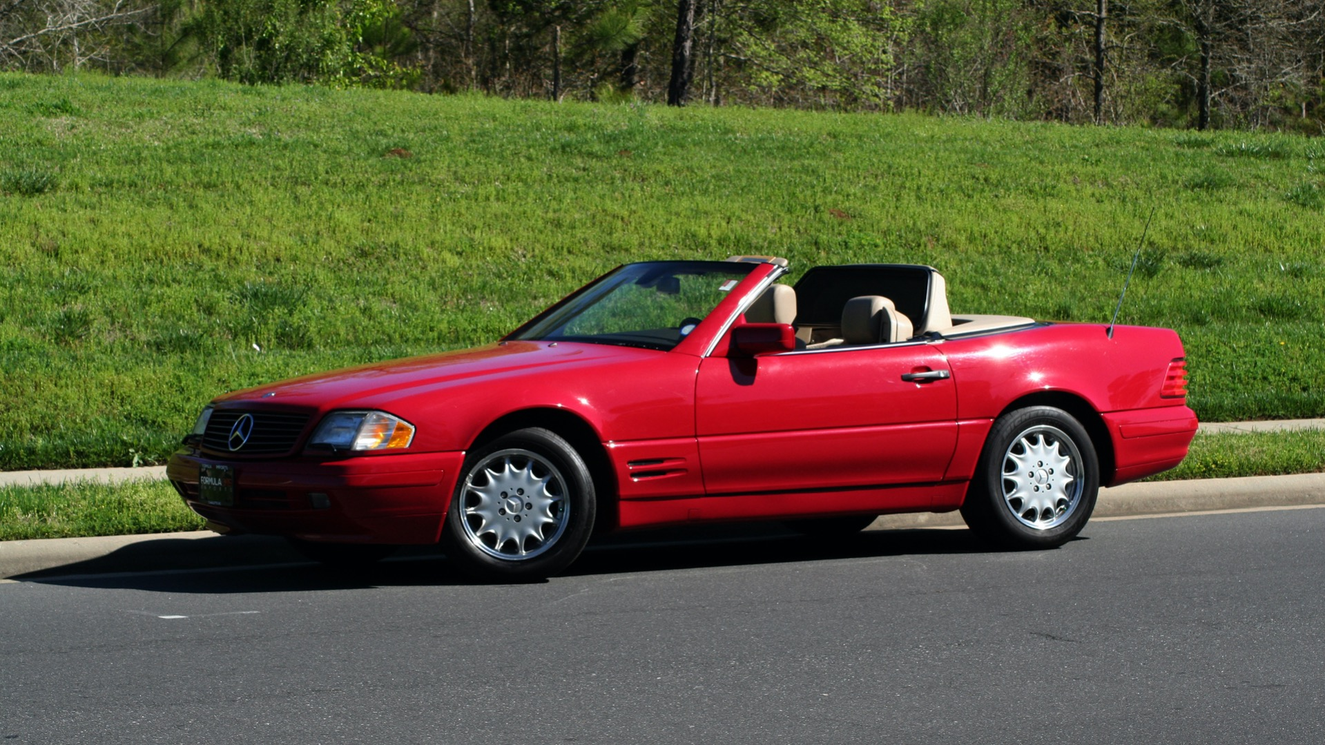 Used 1997 Mercedes-Benz SL-Class Roadster / BOSE / TWO-TOPS for sale Sold at Formula Imports in Charlotte NC 28227 81