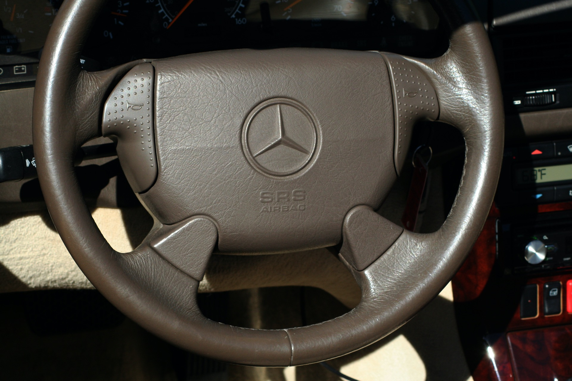 Used 1997 Mercedes-Benz SL-Class Roadster / BOSE / TWO-TOPS for sale Sold at Formula Imports in Charlotte NC 28227 90