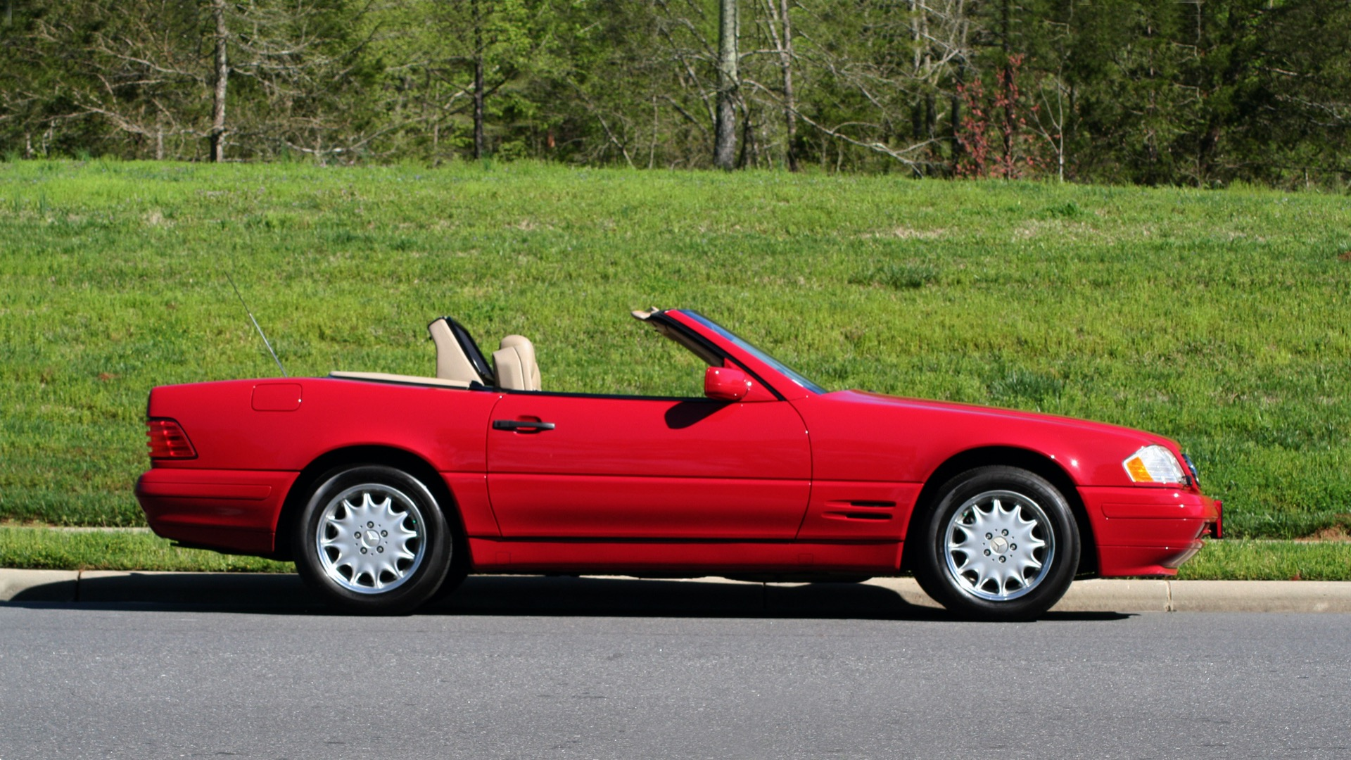 Used 1997 Mercedes-Benz SL-Class Roadster / BOSE / TWO-TOPS for sale Sold at Formula Imports in Charlotte NC 28227 92