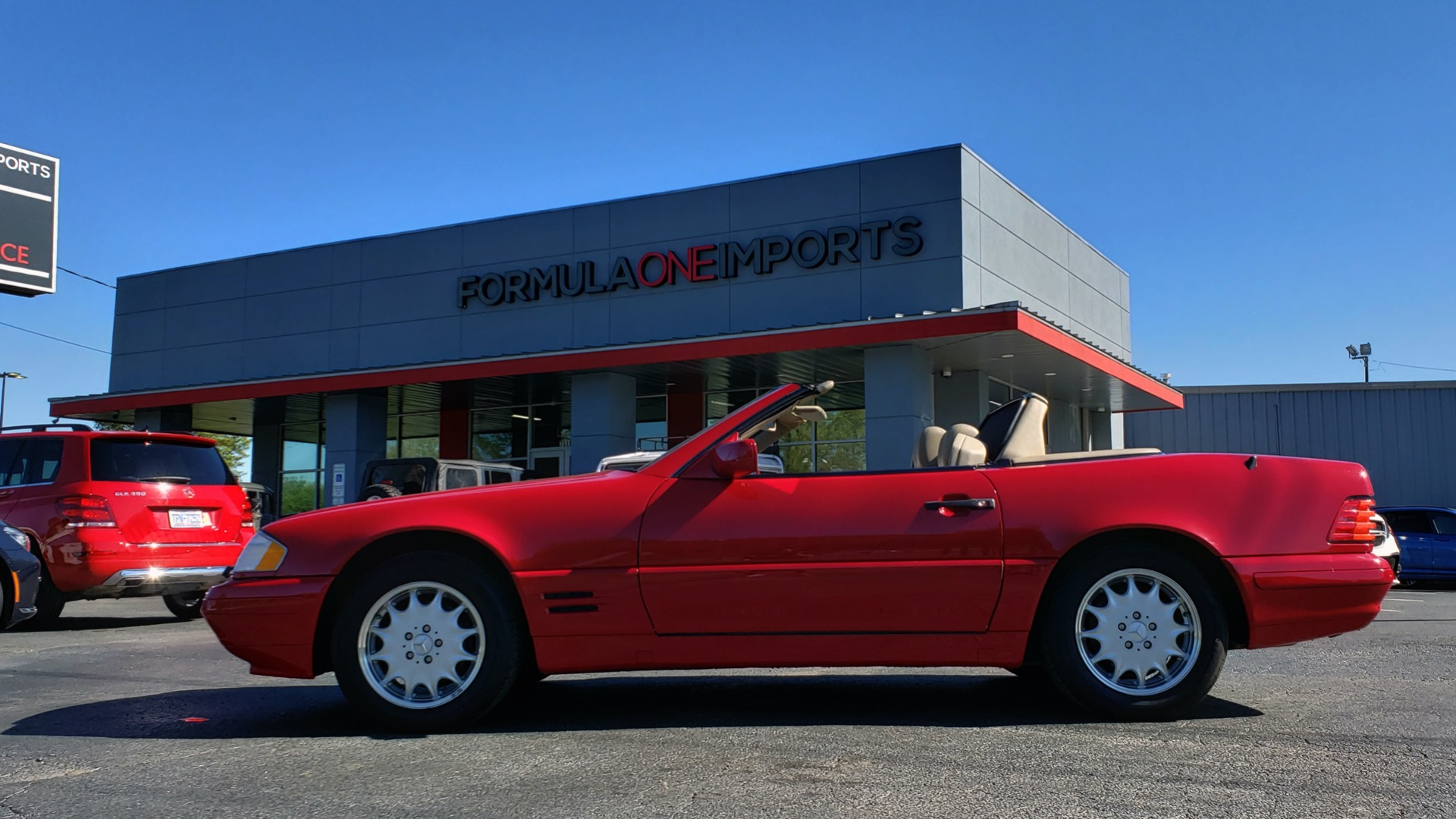 Used 1997 Mercedes-Benz SL-Class Roadster / BOSE / TWO-TOPS for sale Sold at Formula Imports in Charlotte NC 28227 1
