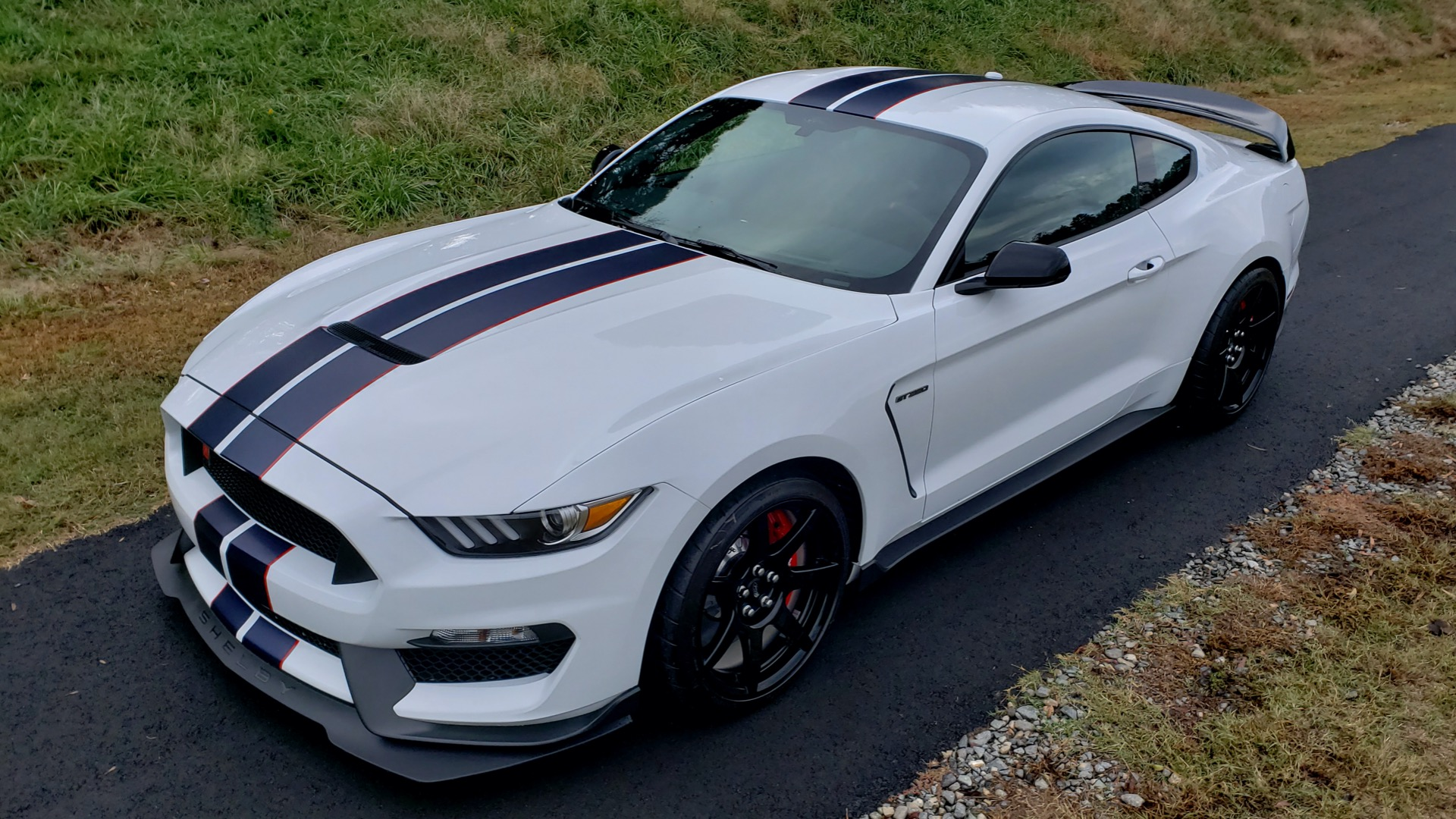 Used 2019 Ford MUSTANG SHELBY GT350R COUPE / B&O SOUND / ELECTRONICS PKG for sale Sold at Formula Imports in Charlotte NC 28227 8