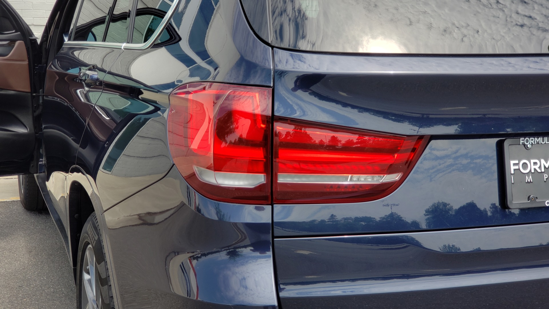 Used 2018 BMW X5 XDRIVE35I PREMIUM / LUXURY / DRVR ASST / HUD / LANE WARNING / REARVIEW for sale $43,695 at Formula Imports in Charlotte NC 28227 34