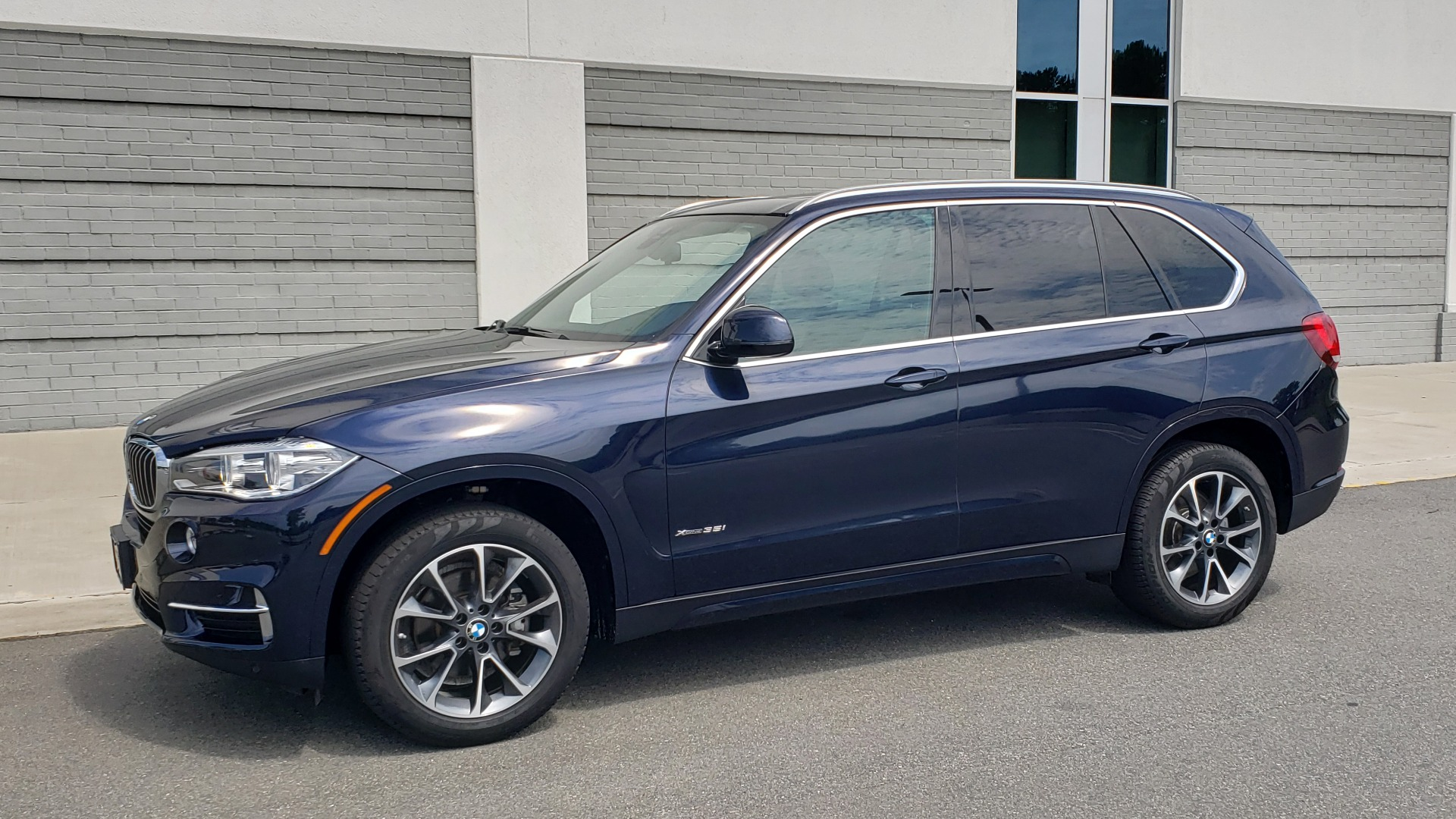 Used 2018 BMW X5 XDRIVE35I PREMIUM / LUXURY / DRVR ASST / HUD / LANE WARNING / REARVIEW for sale $43,695 at Formula Imports in Charlotte NC 28227 4