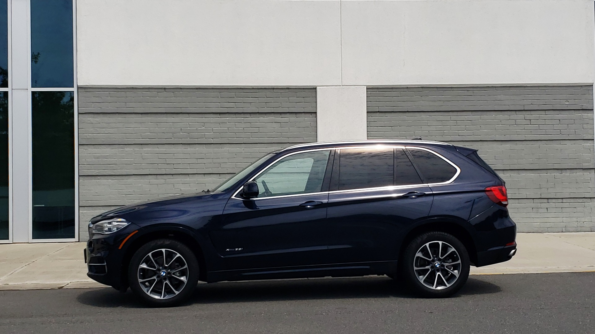 Used 2018 BMW X5 XDRIVE35I PREMIUM / LUXURY / DRVR ASST / HUD / LANE WARNING / REARVIEW for sale $43,695 at Formula Imports in Charlotte NC 28227 5