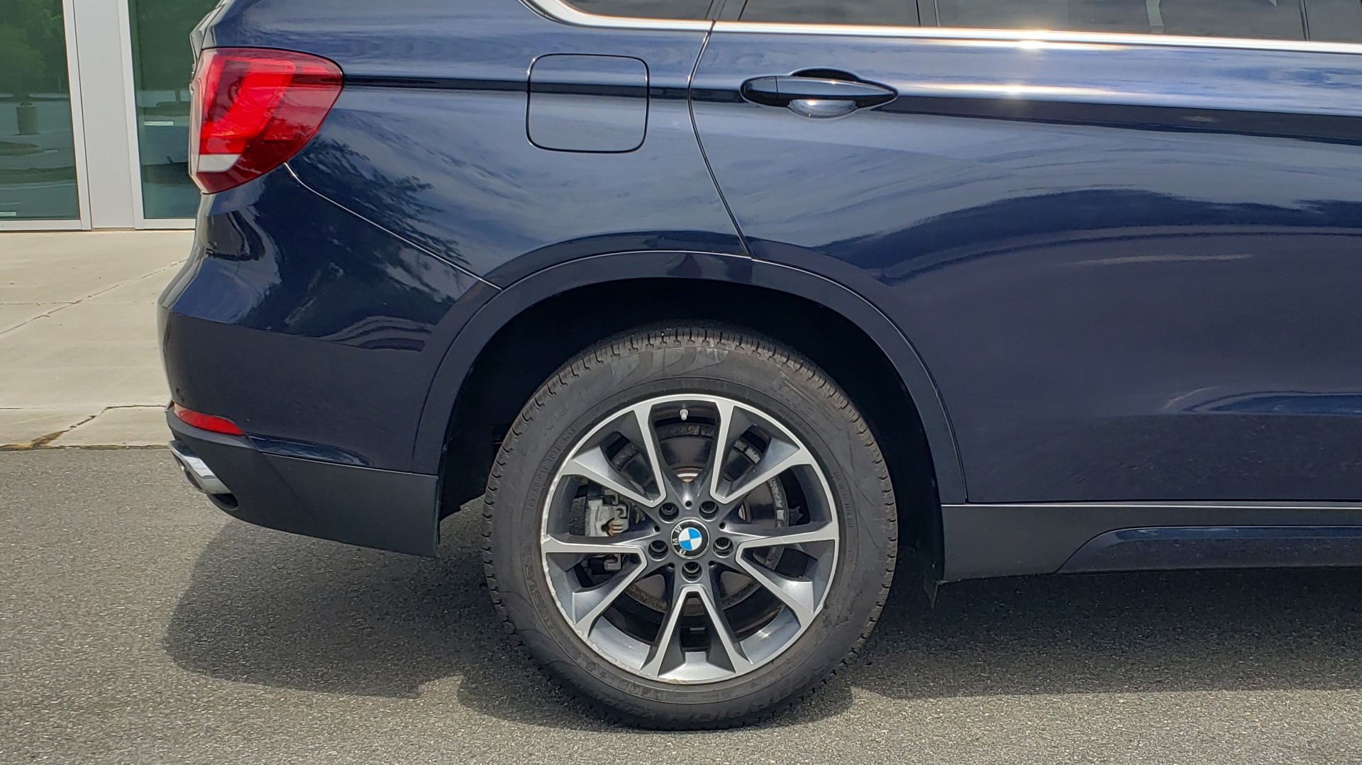 Used 2018 BMW X5 XDRIVE35I PREMIUM / LUXURY / DRVR ASST / HUD / LANE WARNING / REARVIEW for sale $43,695 at Formula Imports in Charlotte NC 28227 85