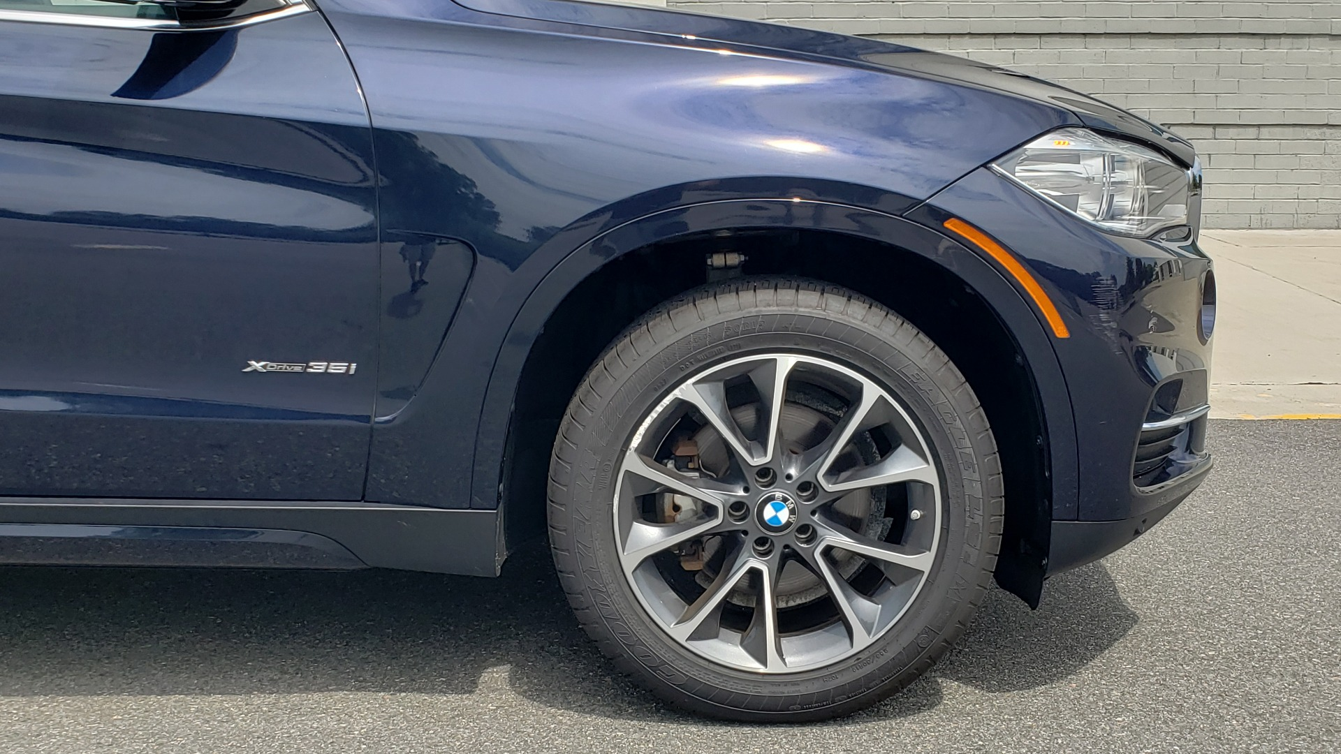 Used 2018 BMW X5 XDRIVE35I PREMIUM / LUXURY / DRVR ASST / HUD / LANE WARNING / REARVIEW for sale $43,695 at Formula Imports in Charlotte NC 28227 86