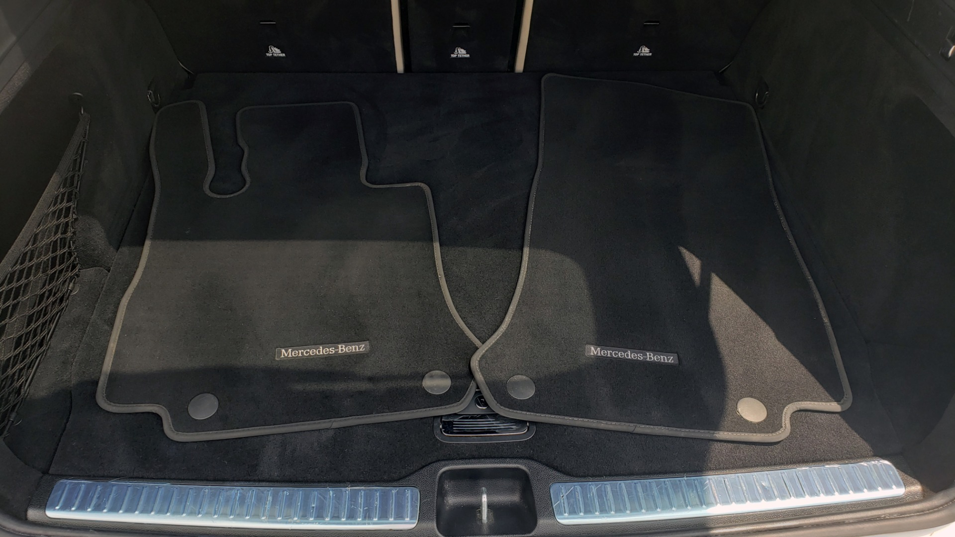 Used 2018 Mercedes-Benz GLC 300 PREMIUM 4MATIC / PANO-ROOF / BURMESTER / REARVIEW for sale $36,295 at Formula Imports in Charlotte NC 28227 17