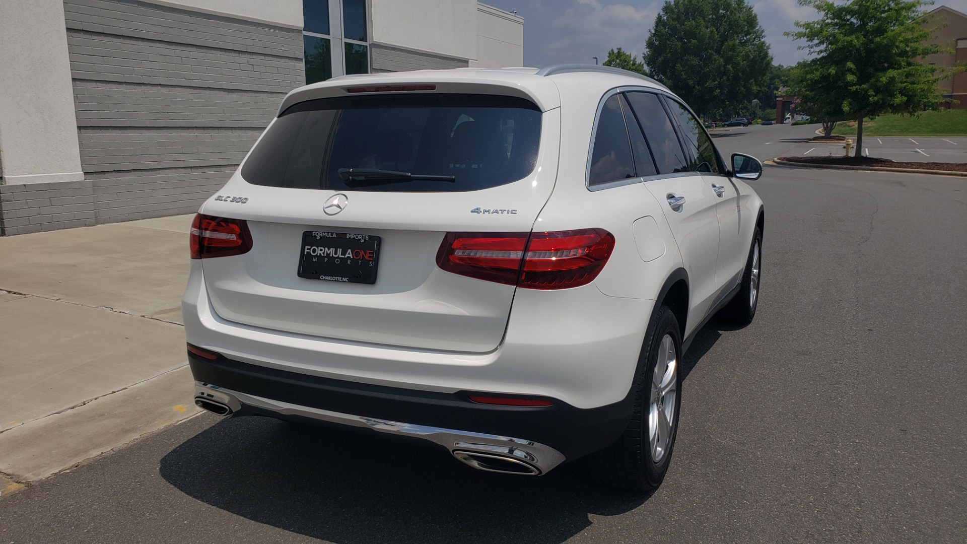 Used 2018 Mercedes-Benz GLC 300 PREMIUM 4MATIC / PANO-ROOF / BURMESTER / REARVIEW for sale $36,295 at Formula Imports in Charlotte NC 28227 2