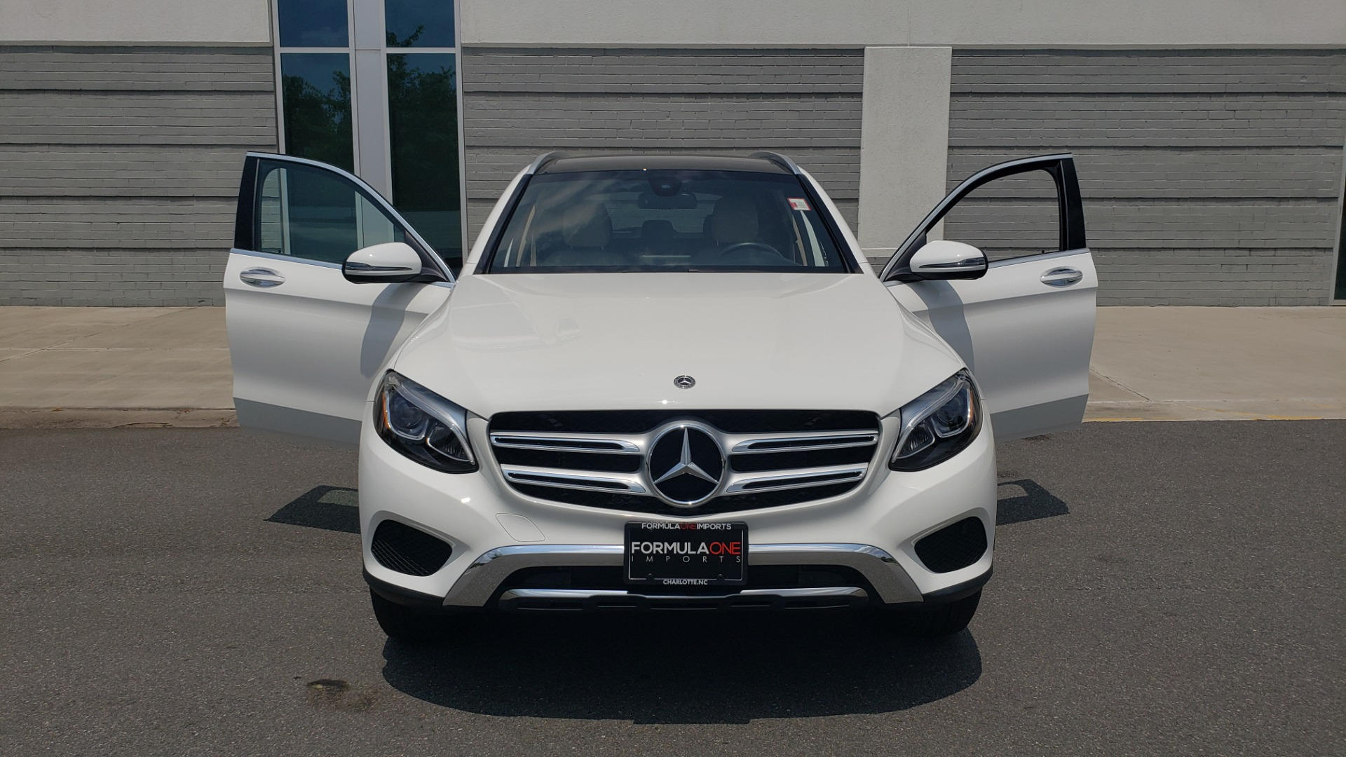 Used 2018 Mercedes-Benz GLC 300 PREMIUM 4MATIC / PANO-ROOF / BURMESTER / REARVIEW for sale $36,295 at Formula Imports in Charlotte NC 28227 23