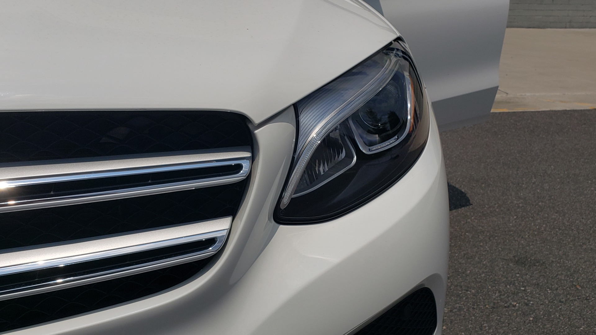 Used 2018 Mercedes-Benz GLC 300 PREMIUM 4MATIC / PANO-ROOF / BURMESTER / REARVIEW for sale $36,295 at Formula Imports in Charlotte NC 28227 25