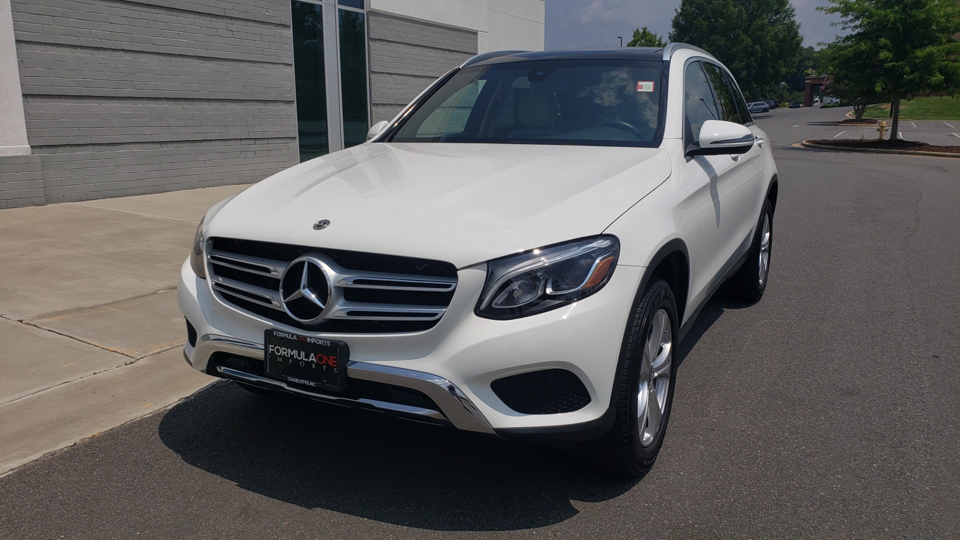 Used 2018 Mercedes-Benz GLC 300 PREMIUM 4MATIC / PANO-ROOF / BURMESTER / REARVIEW for sale $36,295 at Formula Imports in Charlotte NC 28227 3