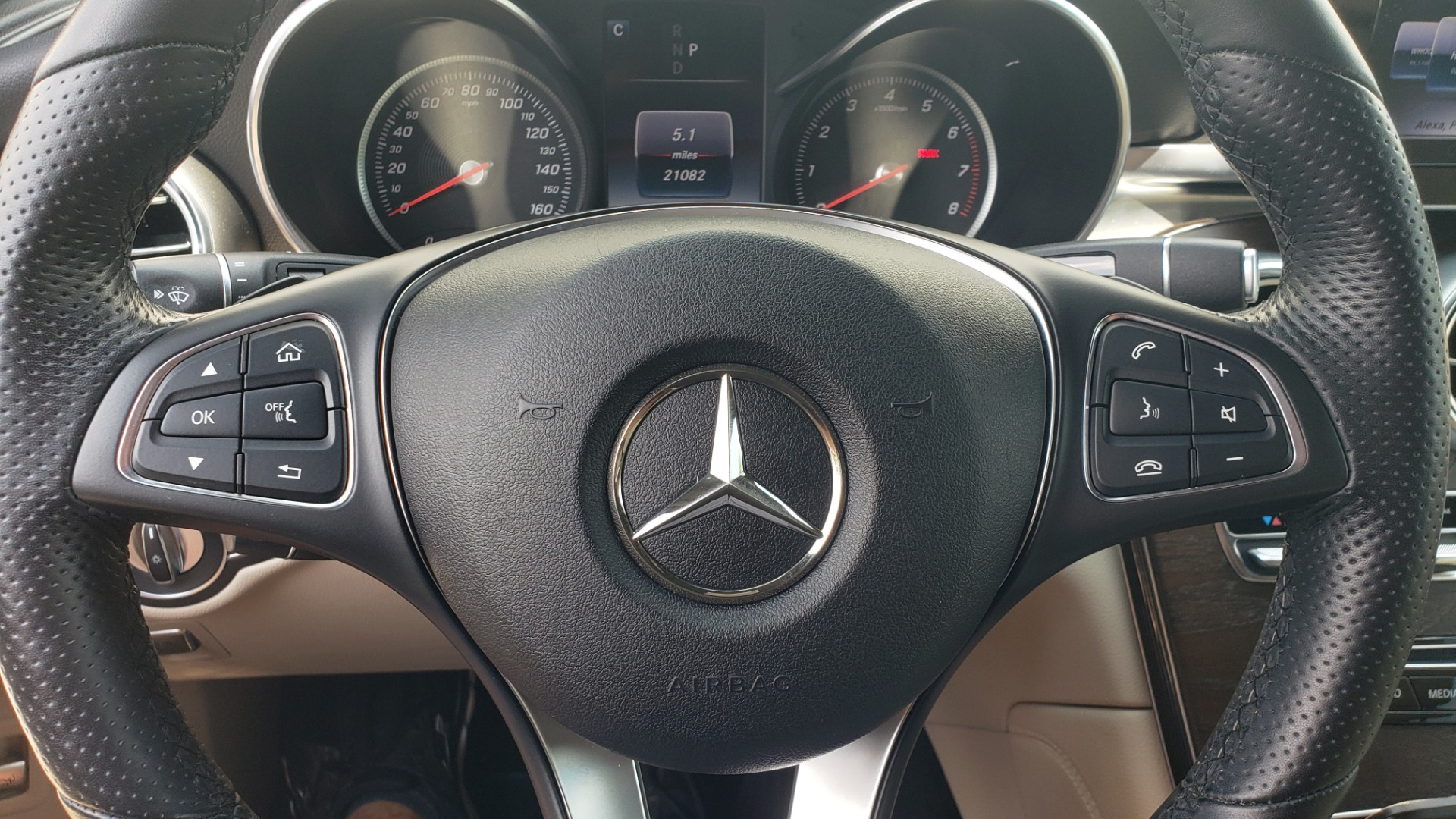 Used 2018 Mercedes-Benz GLC 300 PREMIUM 4MATIC / PANO-ROOF / BURMESTER / REARVIEW for sale $36,295 at Formula Imports in Charlotte NC 28227 42