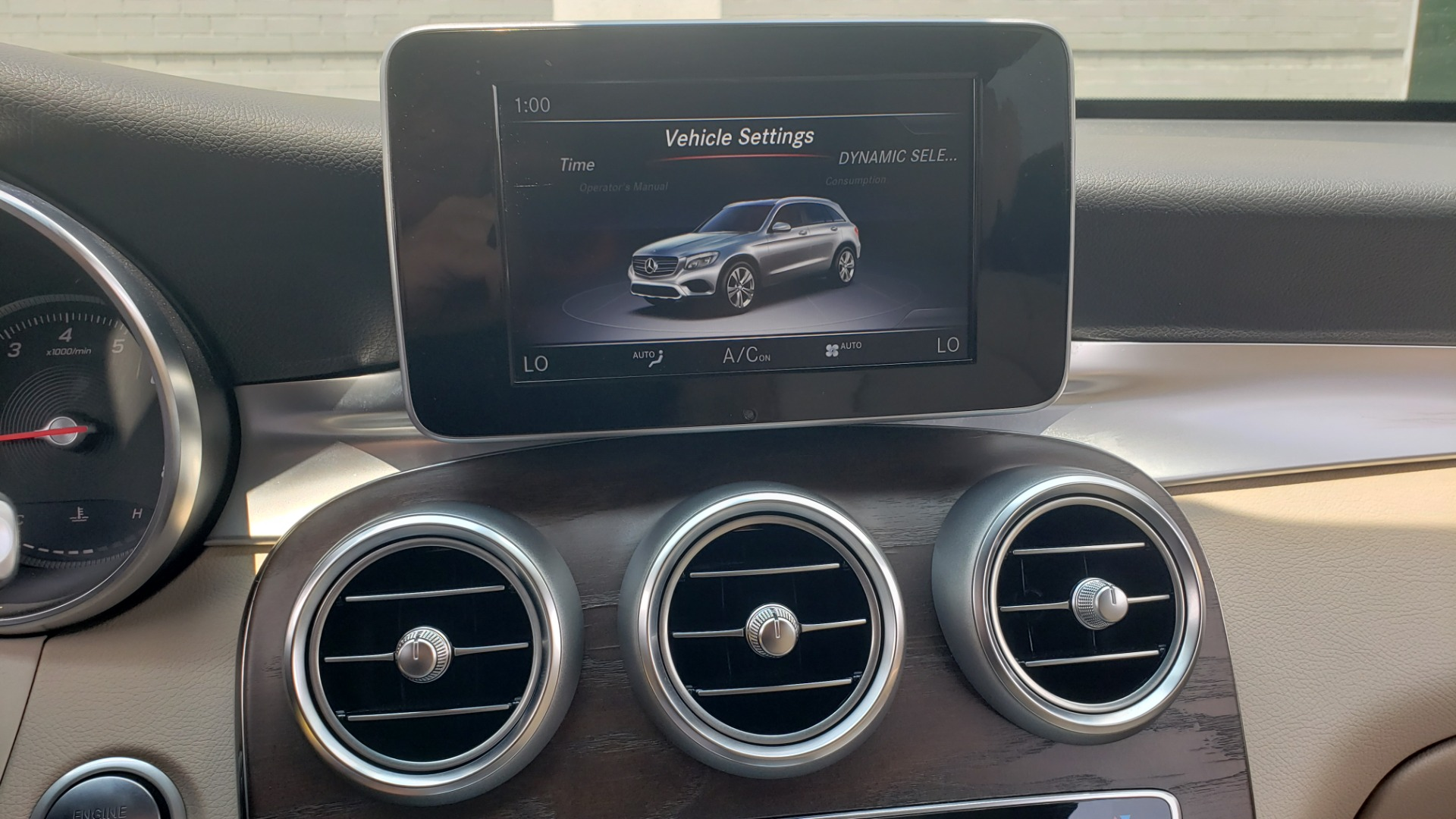 Used 2018 Mercedes-Benz GLC 300 PREMIUM 4MATIC / PANO-ROOF / BURMESTER / REARVIEW for sale $36,295 at Formula Imports in Charlotte NC 28227 47
