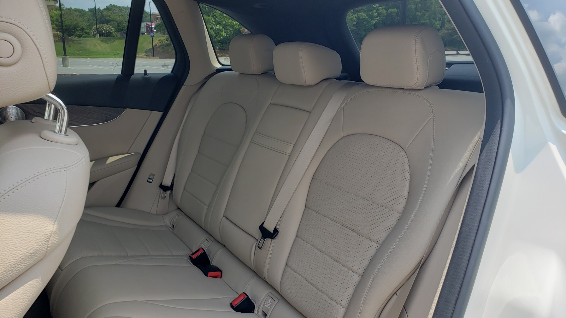 Used 2018 Mercedes-Benz GLC 300 PREMIUM 4MATIC / PANO-ROOF / BURMESTER / REARVIEW for sale $36,295 at Formula Imports in Charlotte NC 28227 62