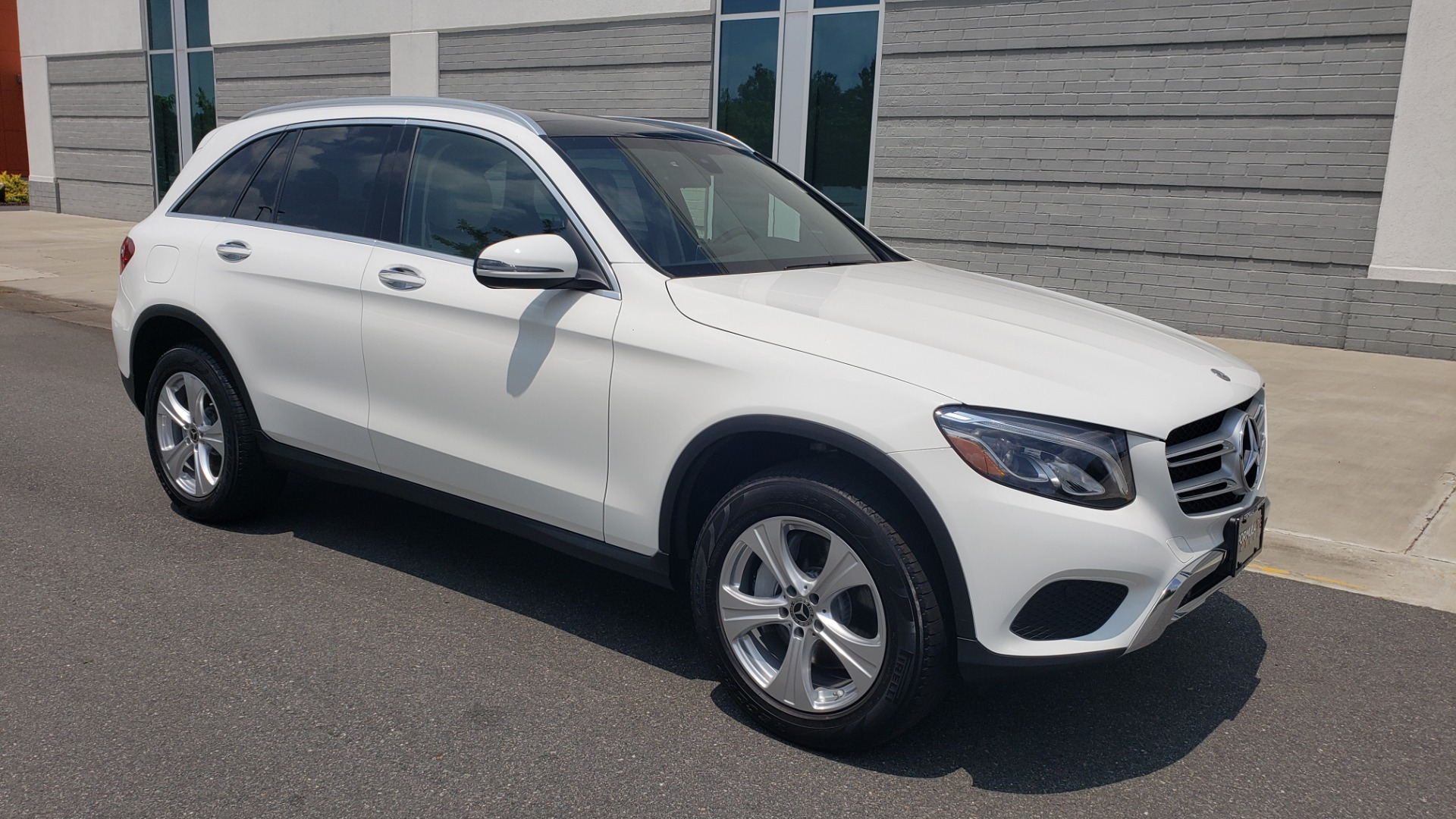 Used 2018 Mercedes-Benz GLC 300 PREMIUM 4MATIC / PANO-ROOF / BURMESTER / REARVIEW for sale $36,295 at Formula Imports in Charlotte NC 28227 7