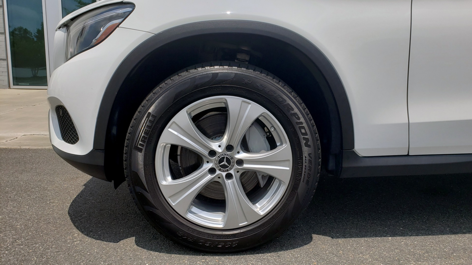 Used 2018 Mercedes-Benz GLC 300 PREMIUM 4MATIC / PANO-ROOF / BURMESTER / REARVIEW for sale $36,295 at Formula Imports in Charlotte NC 28227 79