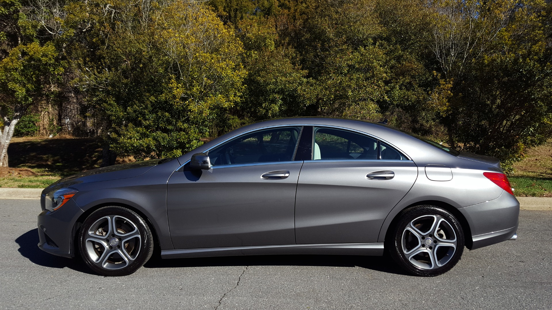 Used 2014 Mercedes-Benz CLA-CLASS CLA 250 / NAV / PANO-ROOF / BLIND SPOT ASSIST / XENON HEADLIGHTS for sale $19,995 at Formula Imports in Charlotte NC 28227 2
