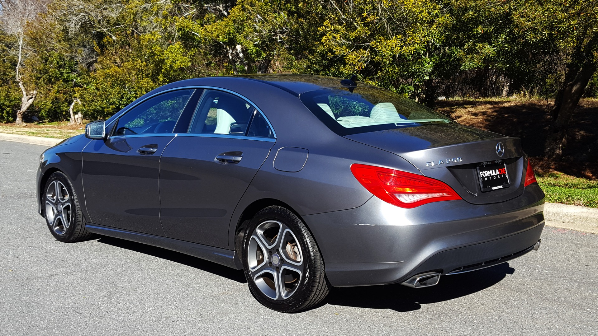 Used 2014 Mercedes-Benz CLA-CLASS CLA 250 / NAV / PANO-ROOF / BLIND SPOT ASSIST / XENON HEADLIGHTS for sale $19,995 at Formula Imports in Charlotte NC 28227 3