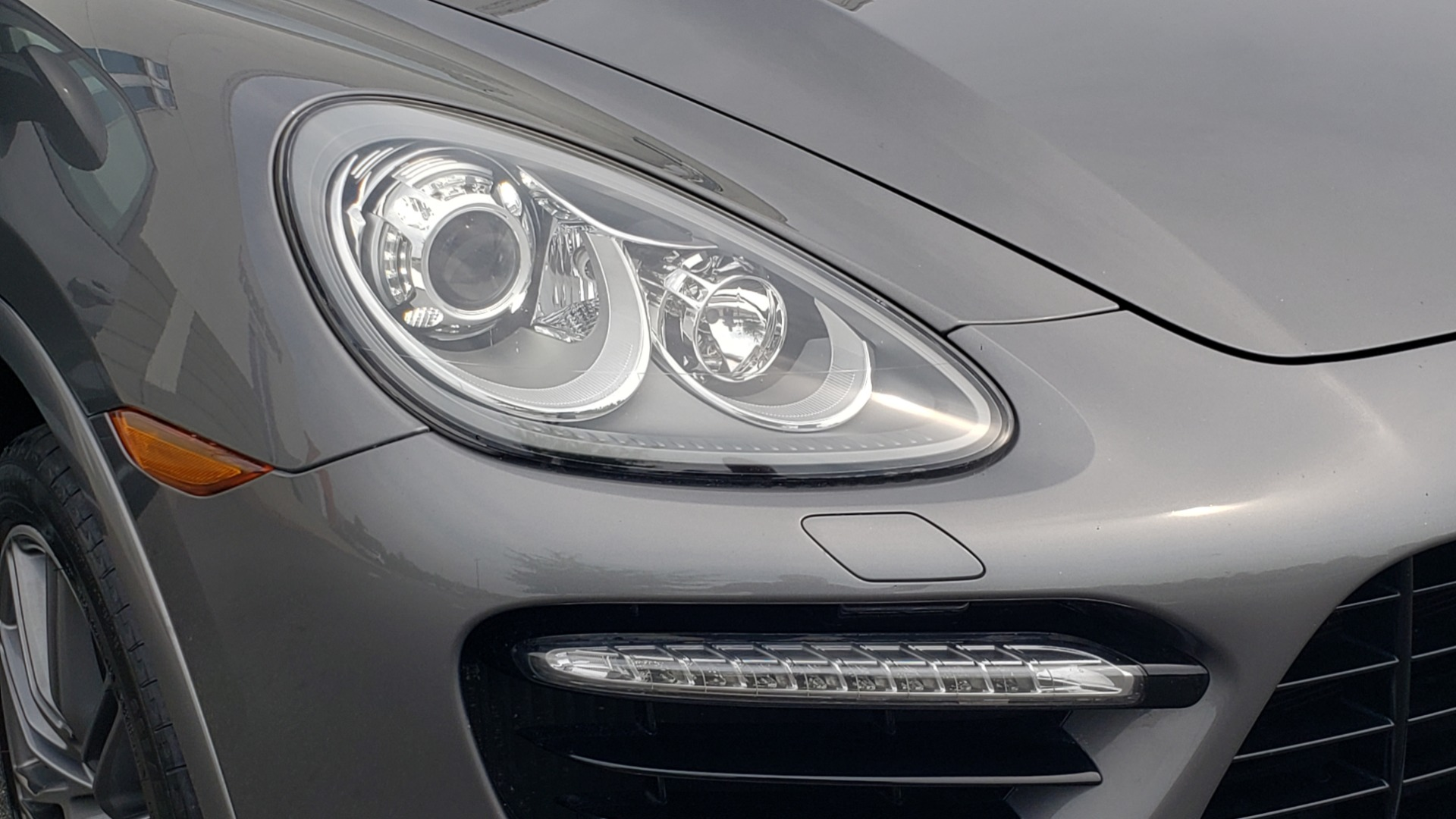 Used 2014 Porsche CAYENNE TURBO S / AWD / NAV / BOSE / PANO-ROOF / LCA / REARVIEW for sale Sold at Formula Imports in Charlotte NC 28227 26