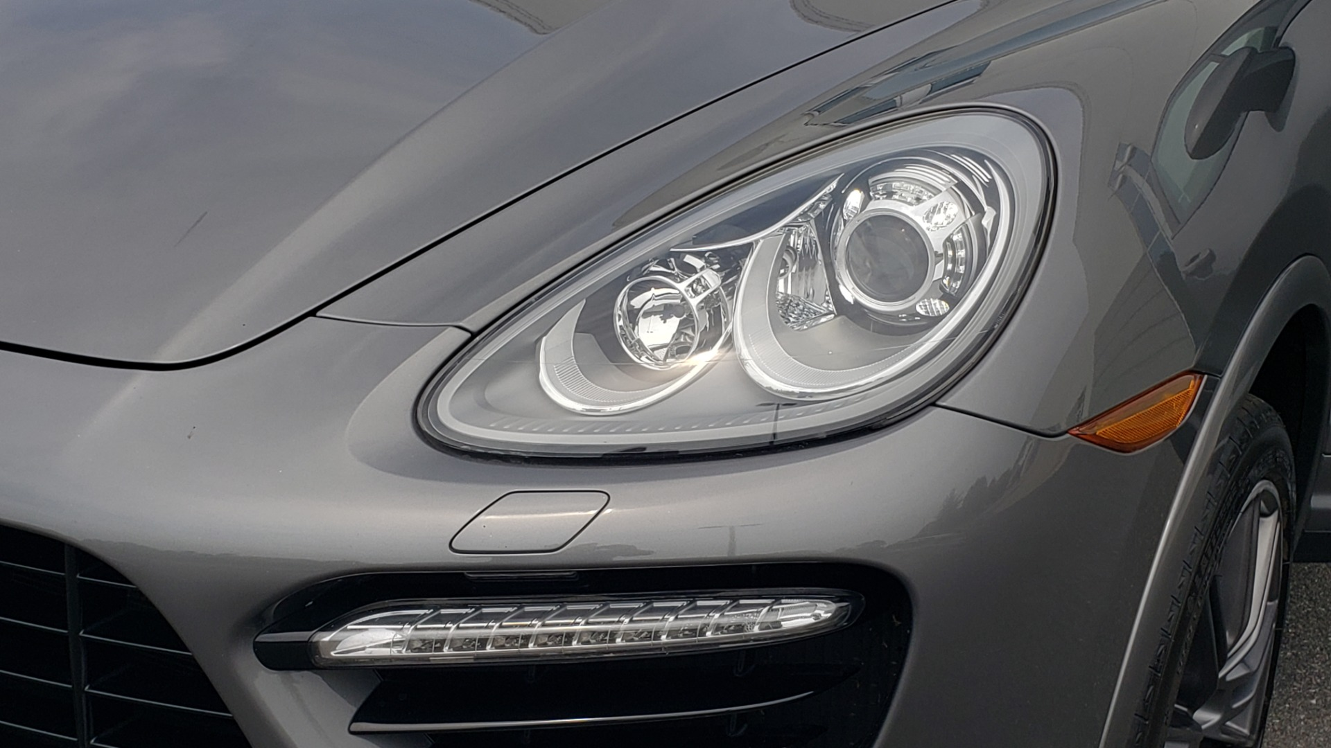 Used 2014 Porsche CAYENNE TURBO S / AWD / NAV / BOSE / PANO-ROOF / LCA / REARVIEW for sale Sold at Formula Imports in Charlotte NC 28227 27