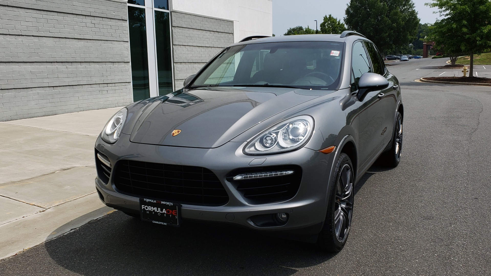 Used 2014 Porsche CAYENNE TURBO S / AWD / NAV / BOSE / PANO-ROOF / LCA / REARVIEW for sale Sold at Formula Imports in Charlotte NC 28227 3
