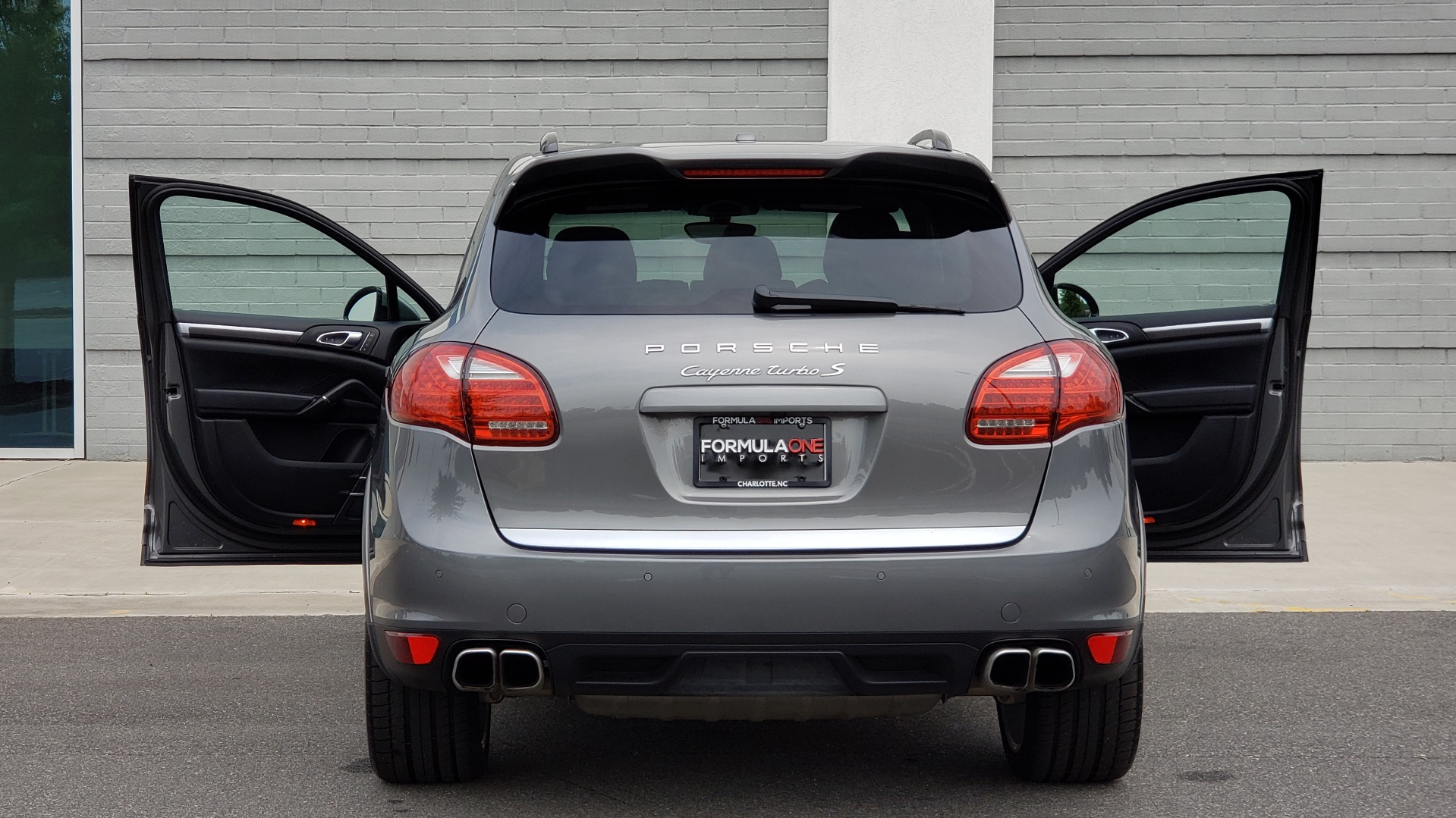 Used 2014 Porsche CAYENNE TURBO S / AWD / NAV / BOSE / PANO-ROOF / LCA / REARVIEW for sale Sold at Formula Imports in Charlotte NC 28227 32