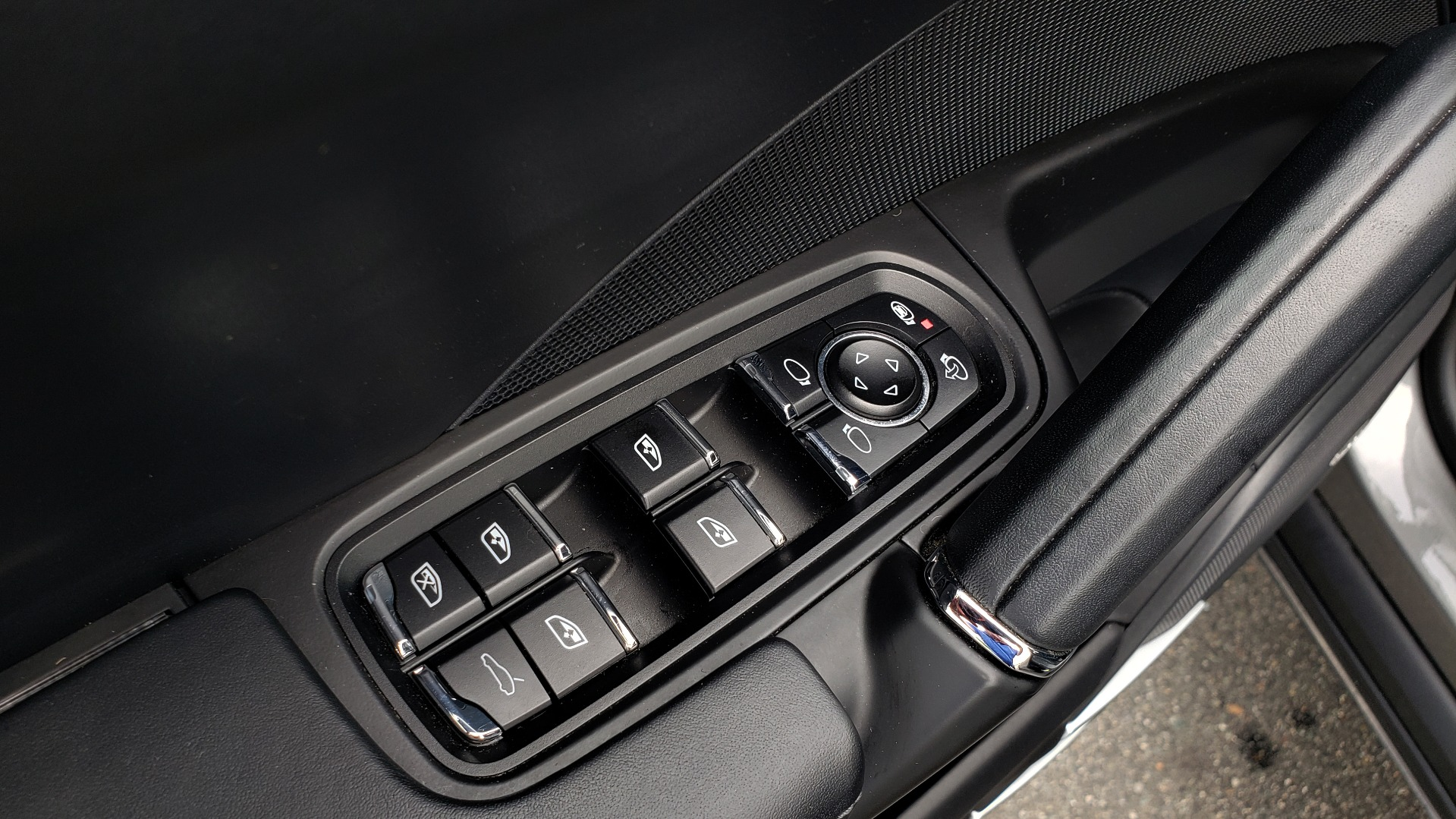 Used 2014 Porsche CAYENNE TURBO S / AWD / NAV / BOSE / PANO-ROOF / LCA / REARVIEW for sale Sold at Formula Imports in Charlotte NC 28227 37