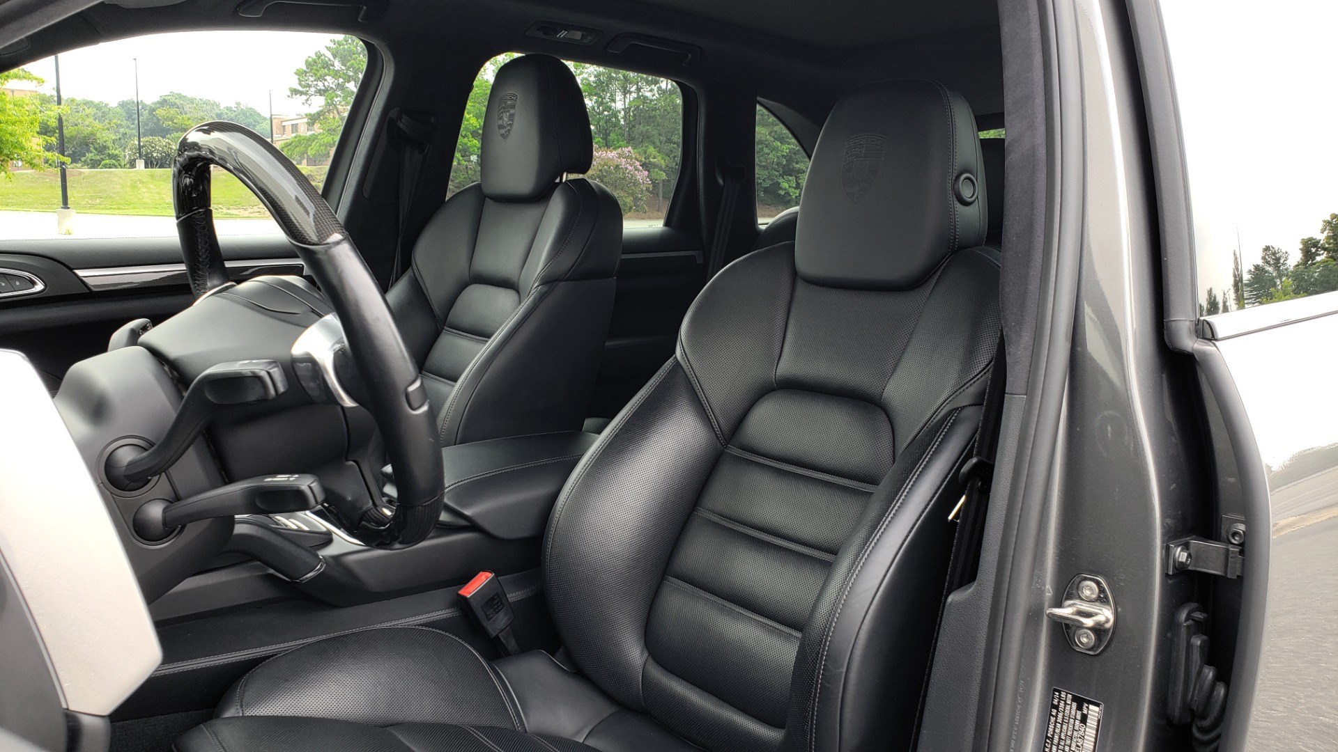 Used 2014 Porsche CAYENNE TURBO S / AWD / NAV / BOSE / PANO-ROOF / LCA / REARVIEW for sale Sold at Formula Imports in Charlotte NC 28227 42