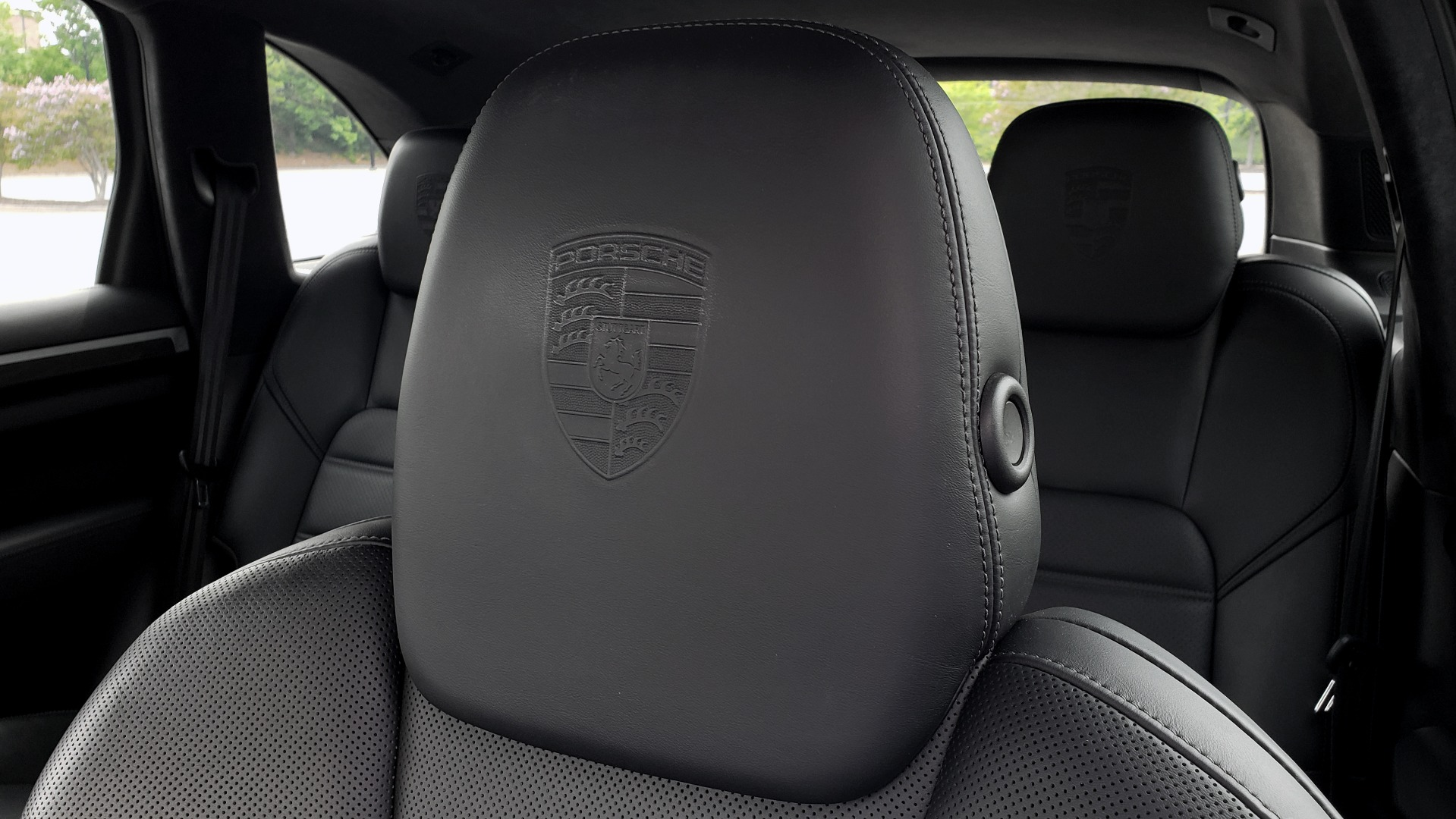 Used 2014 Porsche CAYENNE TURBO S / AWD / NAV / BOSE / PANO-ROOF / LCA / REARVIEW for sale Sold at Formula Imports in Charlotte NC 28227 43