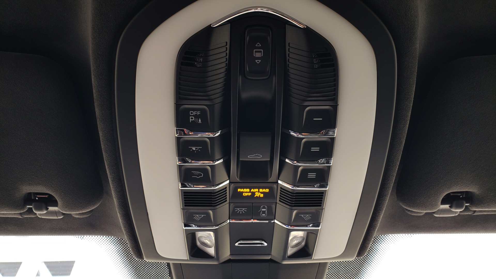 Used 2014 Porsche CAYENNE TURBO S / AWD / NAV / BOSE / PANO-ROOF / LCA / REARVIEW for sale Sold at Formula Imports in Charlotte NC 28227 64