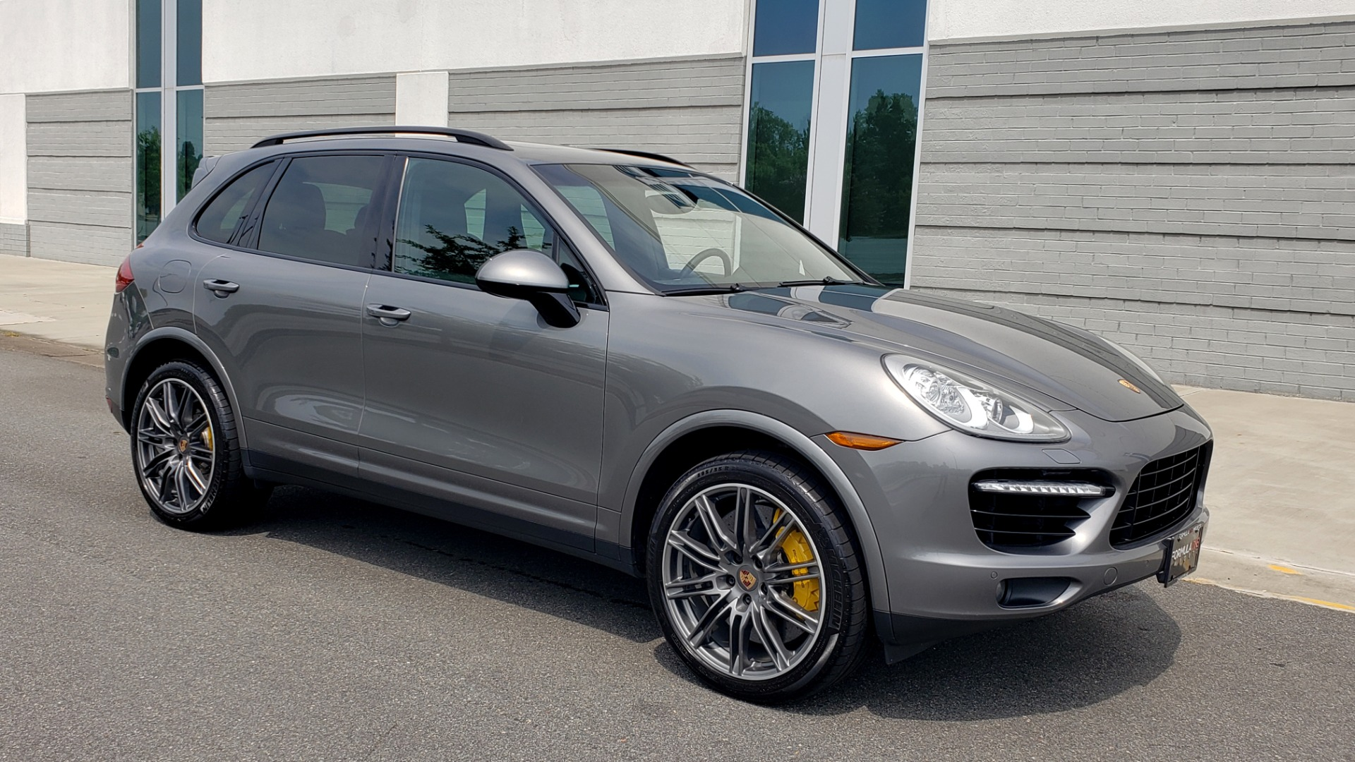 Used 2014 Porsche CAYENNE TURBO S / AWD / NAV / BOSE / PANO-ROOF / LCA / REARVIEW for sale Sold at Formula Imports in Charlotte NC 28227 7