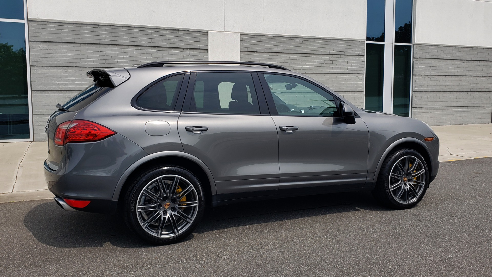 Used 2014 Porsche CAYENNE TURBO S / AWD / NAV / BOSE / PANO-ROOF / LCA / REARVIEW for sale Sold at Formula Imports in Charlotte NC 28227 8