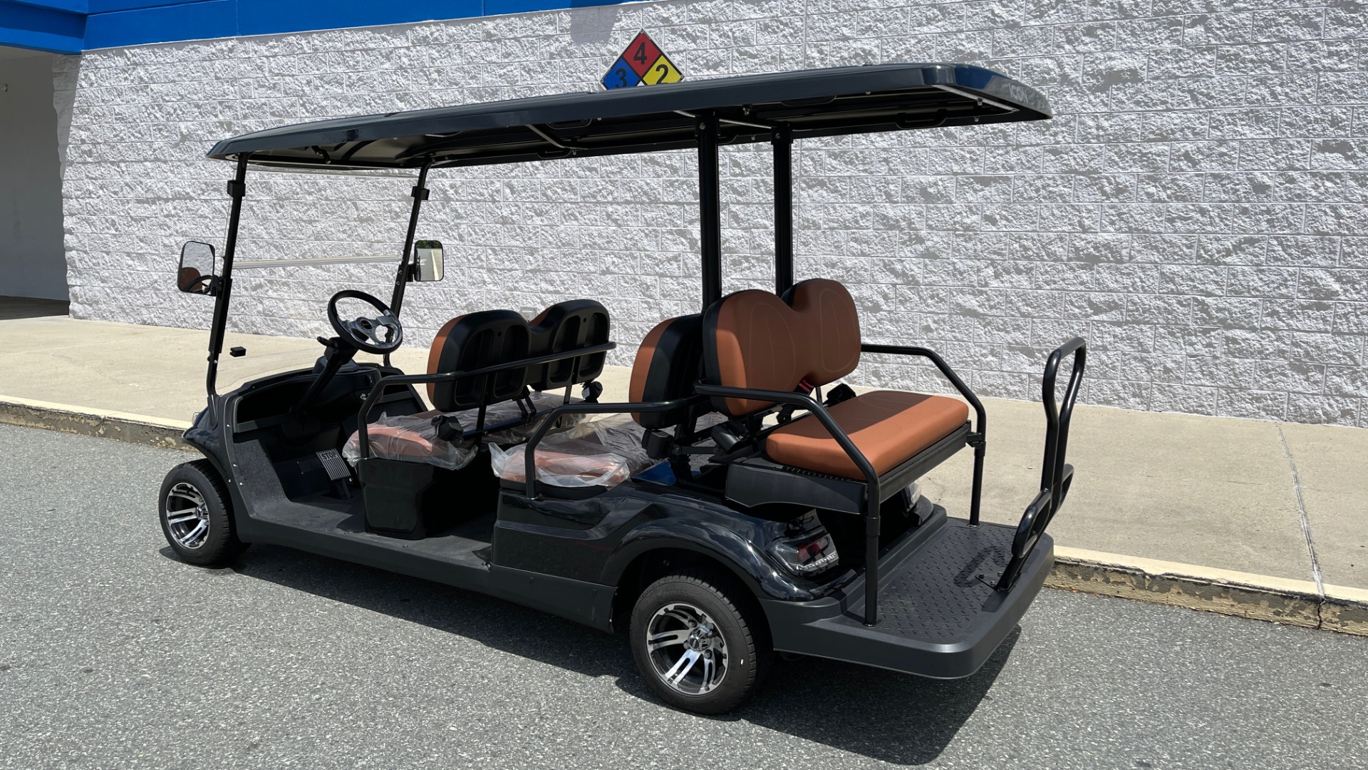 Used 2021 ICON i60 ELECTRIC CAR / 6-PASSENGER GOLF CART / 25MPH / NEW / 1-MILE for sale $10,999 at Formula Imports in Charlotte NC 28227 2