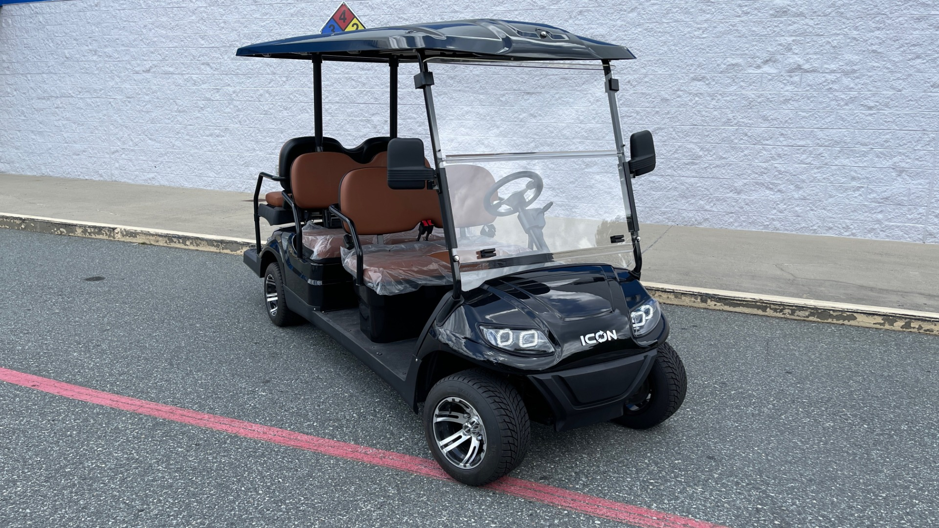 Used 2021 ICON i60 ELECTRIC CAR / 6-PASSENGER GOLF CART / 25MPH / NEW / 1-MILE for sale $10,999 at Formula Imports in Charlotte NC 28227 4