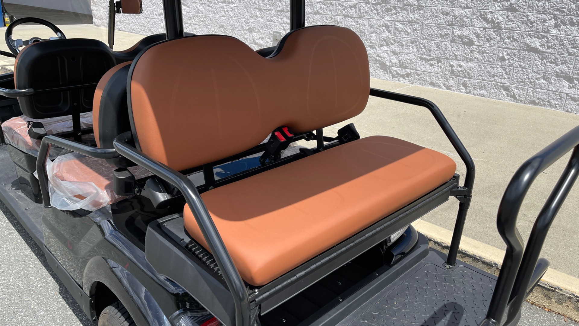 Used 2021 ICON i60 ELECTRIC CAR / 6-PASSENGER GOLF CART / 25MPH / NEW / 1-MILE for sale $10,999 at Formula Imports in Charlotte NC 28227 6