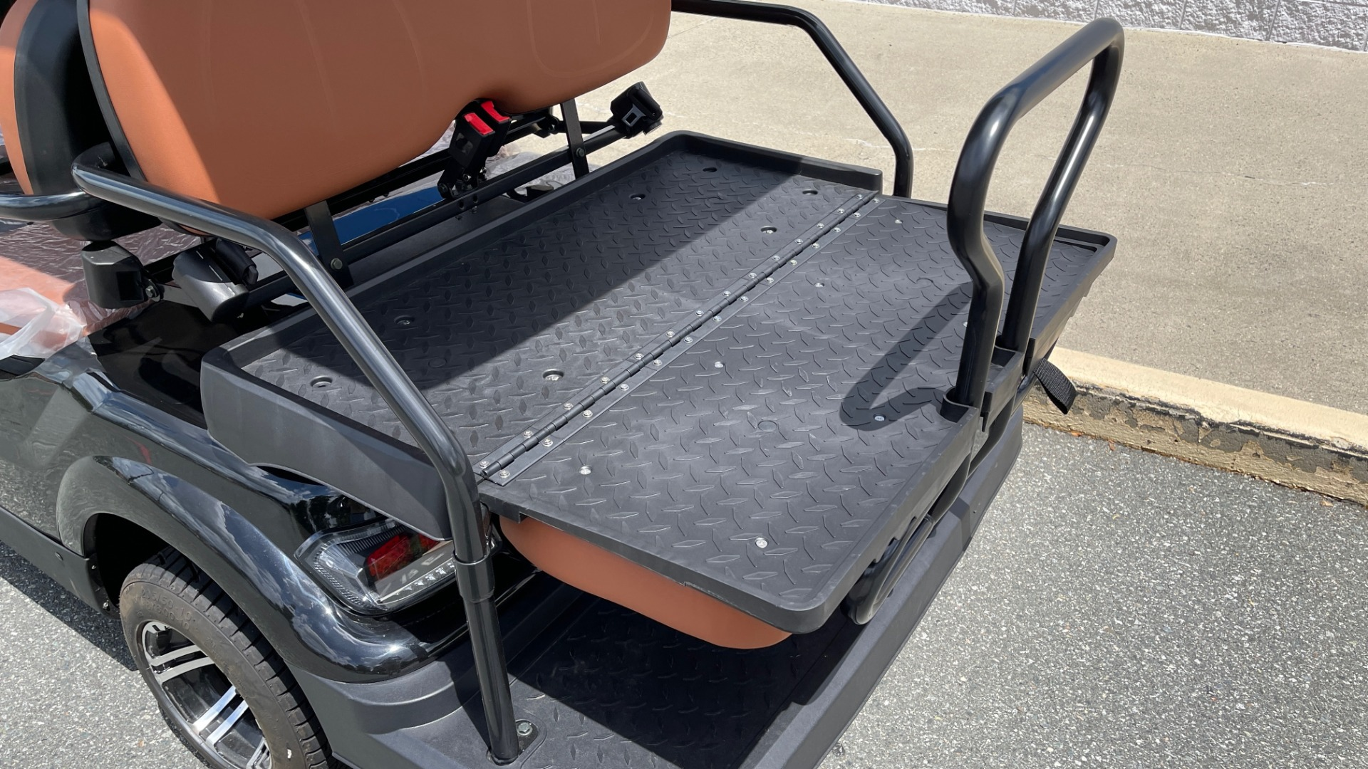 Used 2021 ICON i60 ELECTRIC CAR / 6-PASSENGER GOLF CART / 25MPH / NEW / 1-MILE for sale $10,999 at Formula Imports in Charlotte NC 28227 8