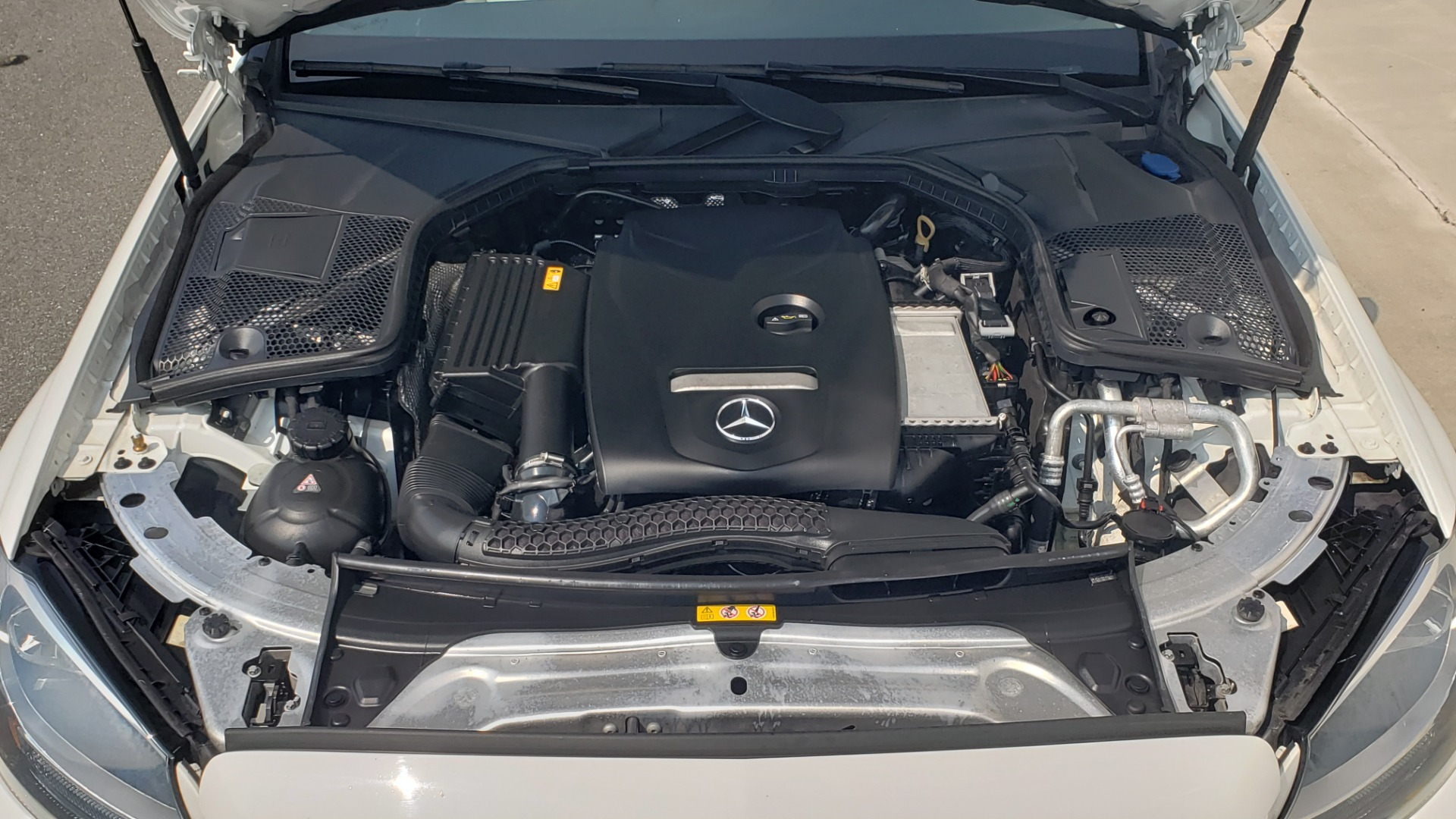 Used 2018 Mercedes-Benz C-CLASS C 300 PREMIUM / KEYLESS-GO / APPLE / PANO-ROOF / REARVIEW for sale $28,295 at Formula Imports in Charlotte NC 28227 14
